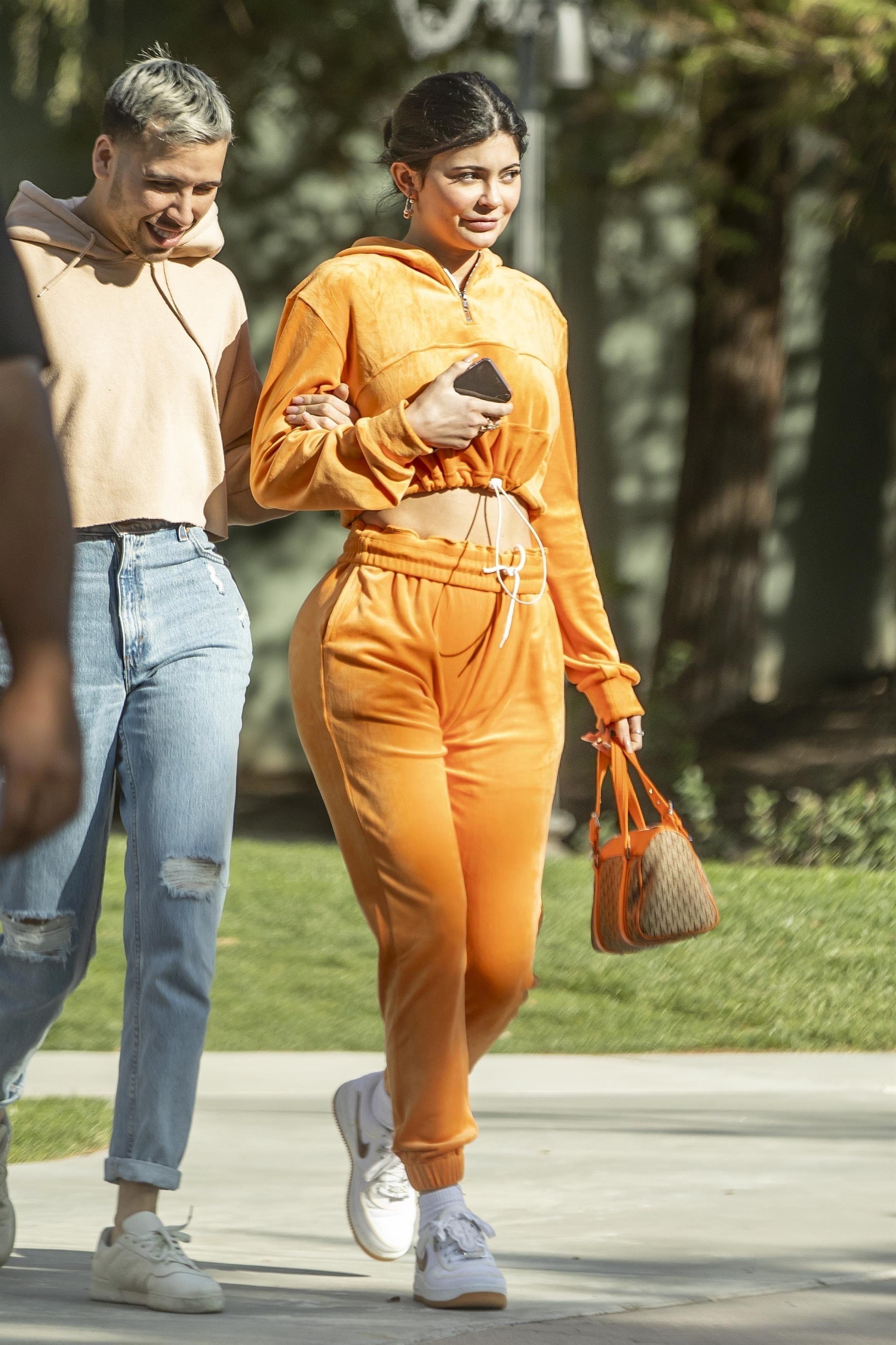 Kylie Jenner, looks