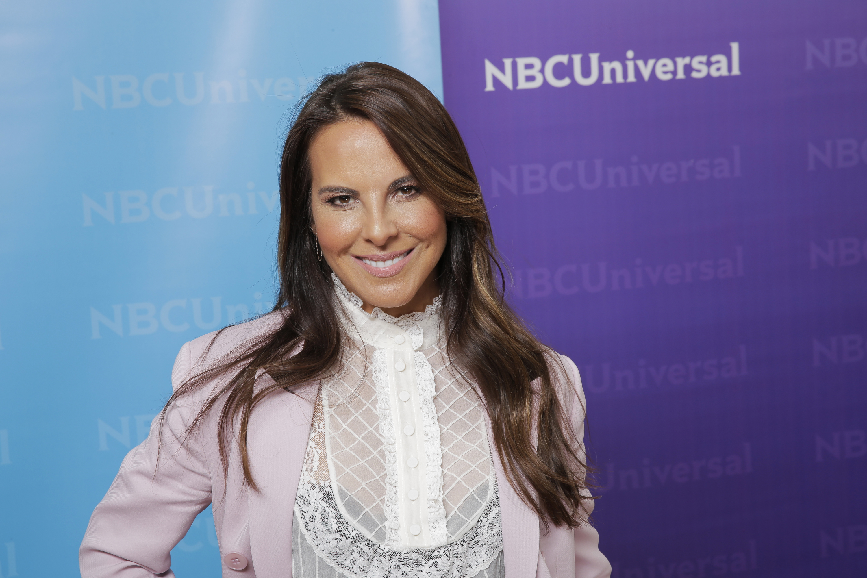 Kate del Castillo - Poderosas - April 2019