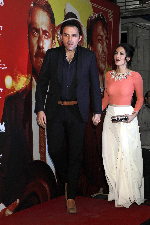 """Bárbara Mori y Fernando Rovzar desfilan por la alfombra roja de la premiere de la película """"El Complot Mongol"""", que llega este fin de semana a la cartelera nacional/México, 17 de abril 2019."""