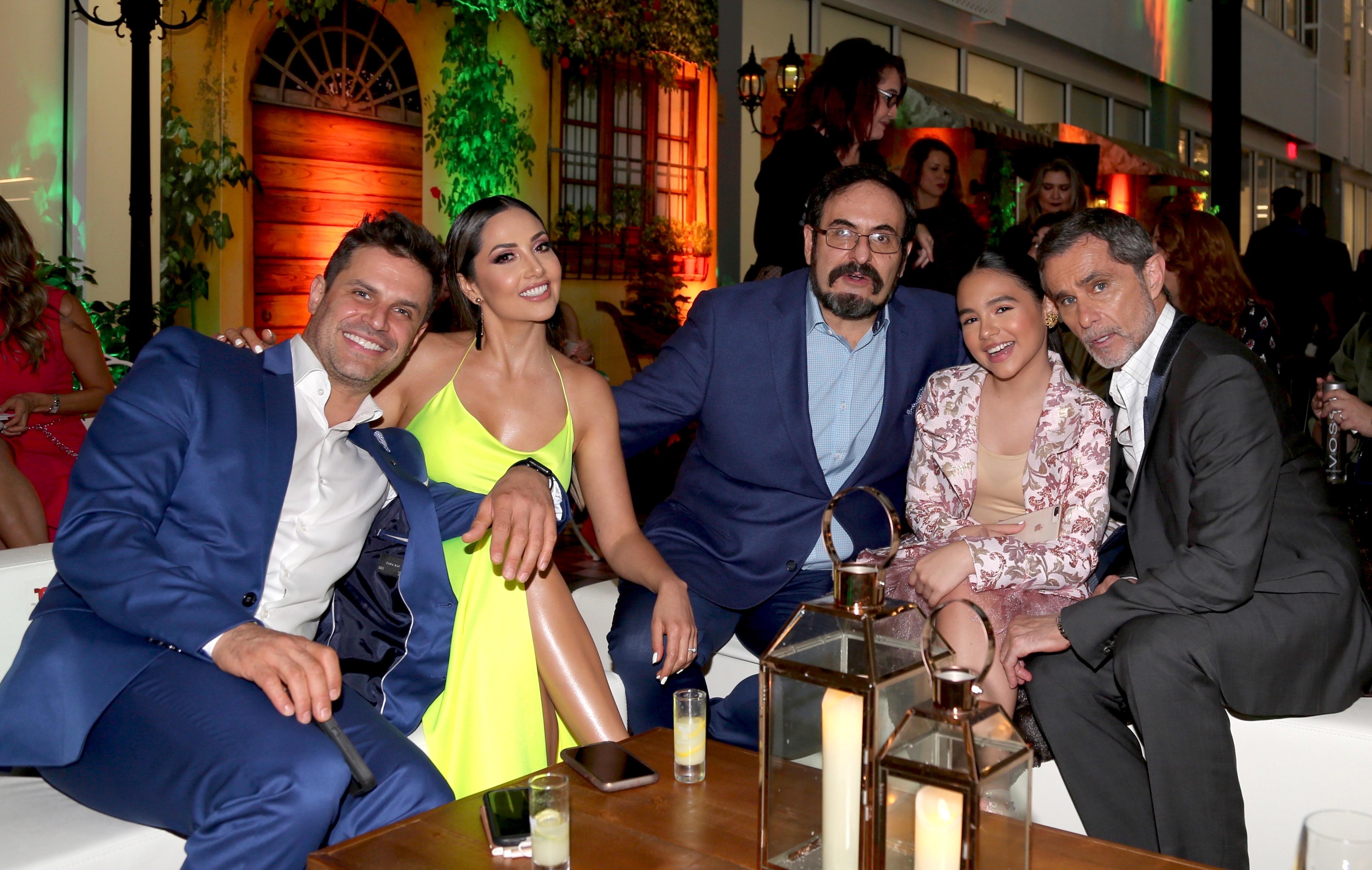 Mark Tacher, Cynthia Alesco, Alejandro Calva, Humberto Zurita