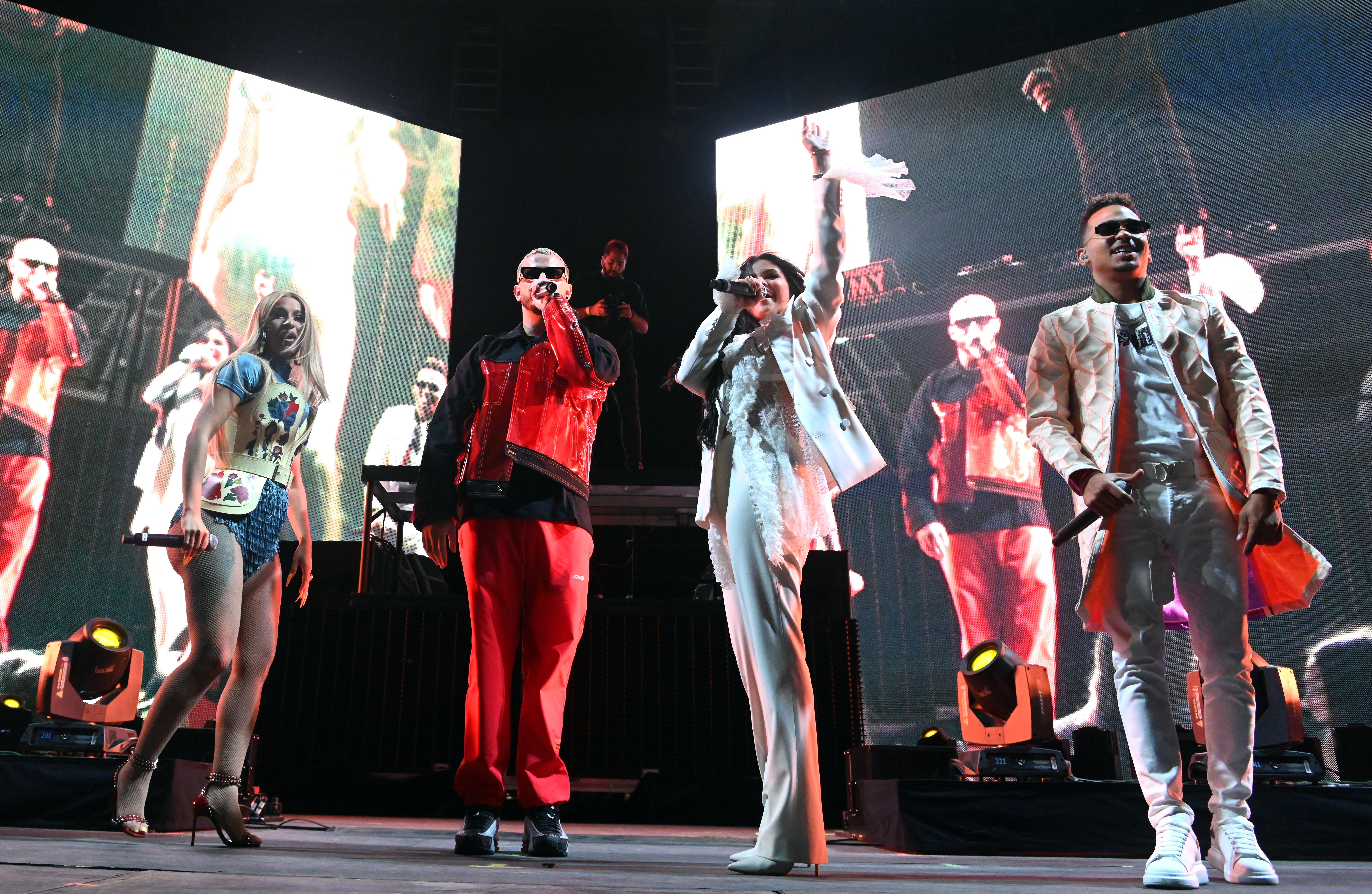 Cardi B, DJ Snake, Selena Gomez y Ozuna