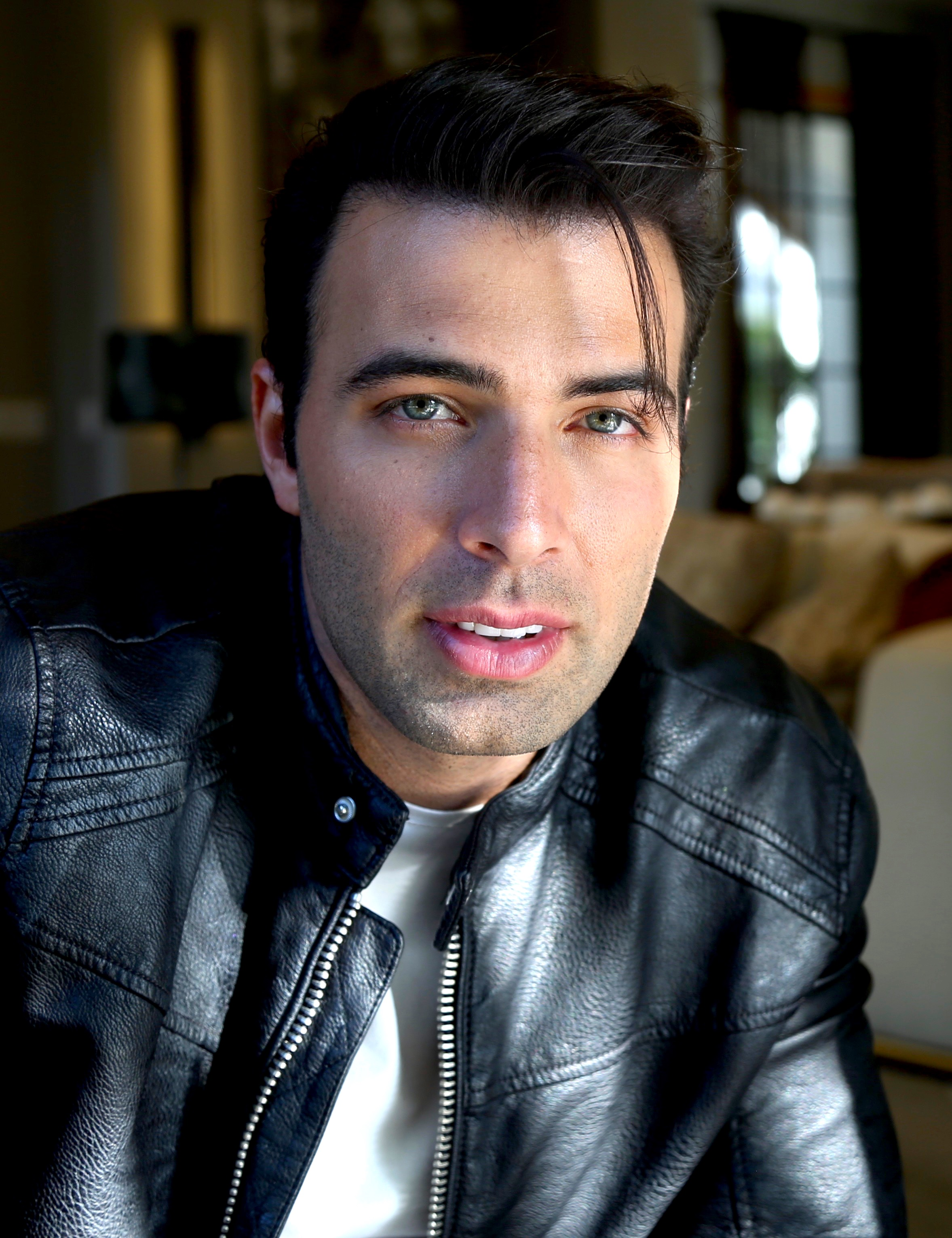 JENCARLOSsingleJunk02