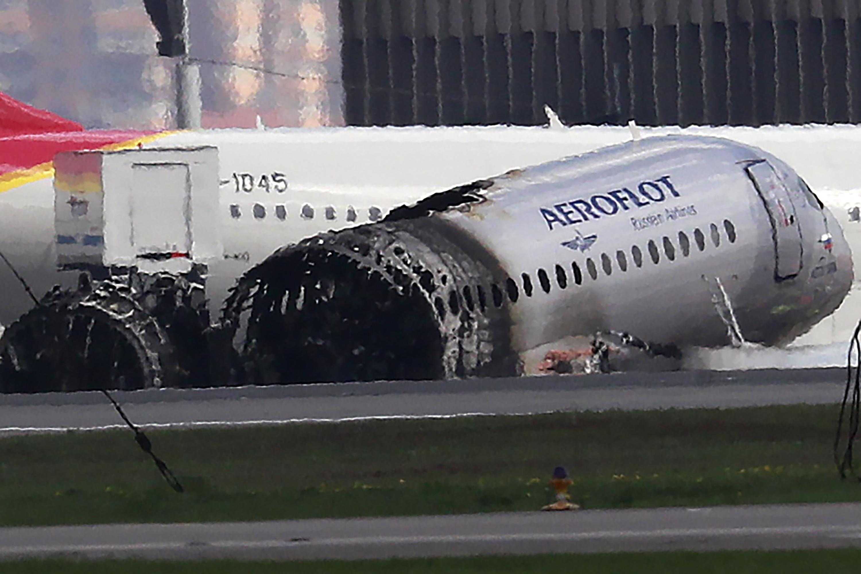 vuelo Aeroflot Superjet 100 fuego