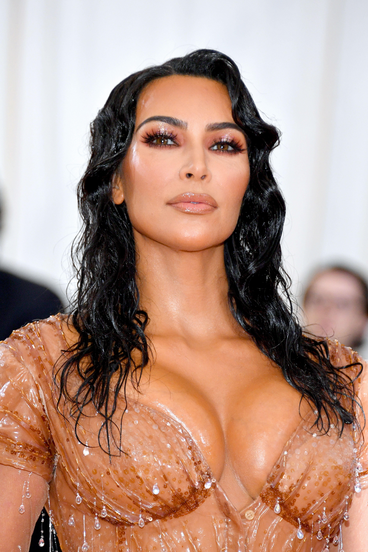 Kim Kardashian, look, met gala, belleza, 2019