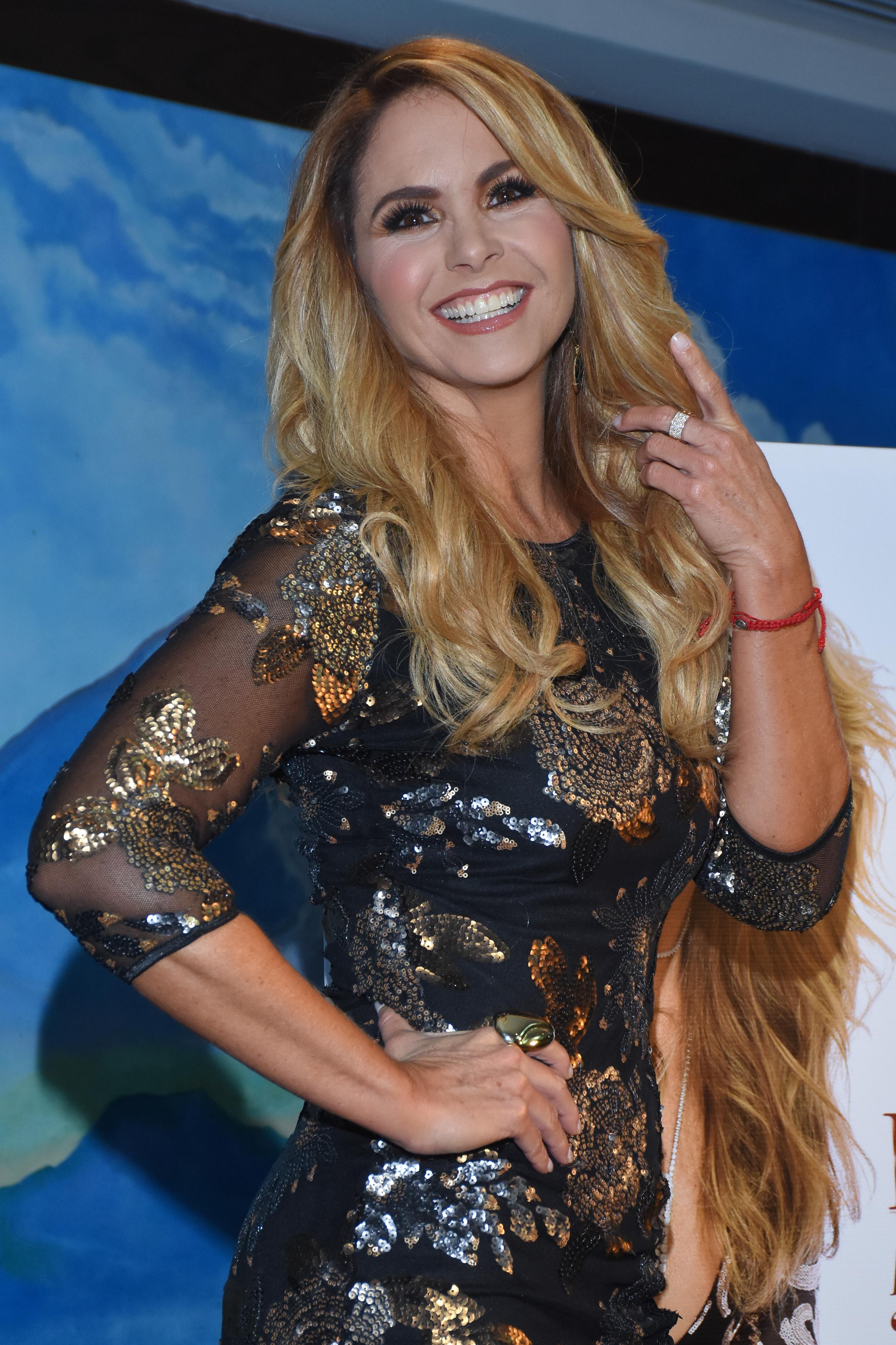 "Lucero Launches Her New Album ""Mas Enamorada Con Banda"""