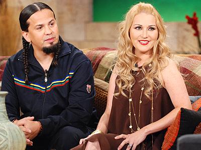 Cruz Martinez y Alicia Villarreal