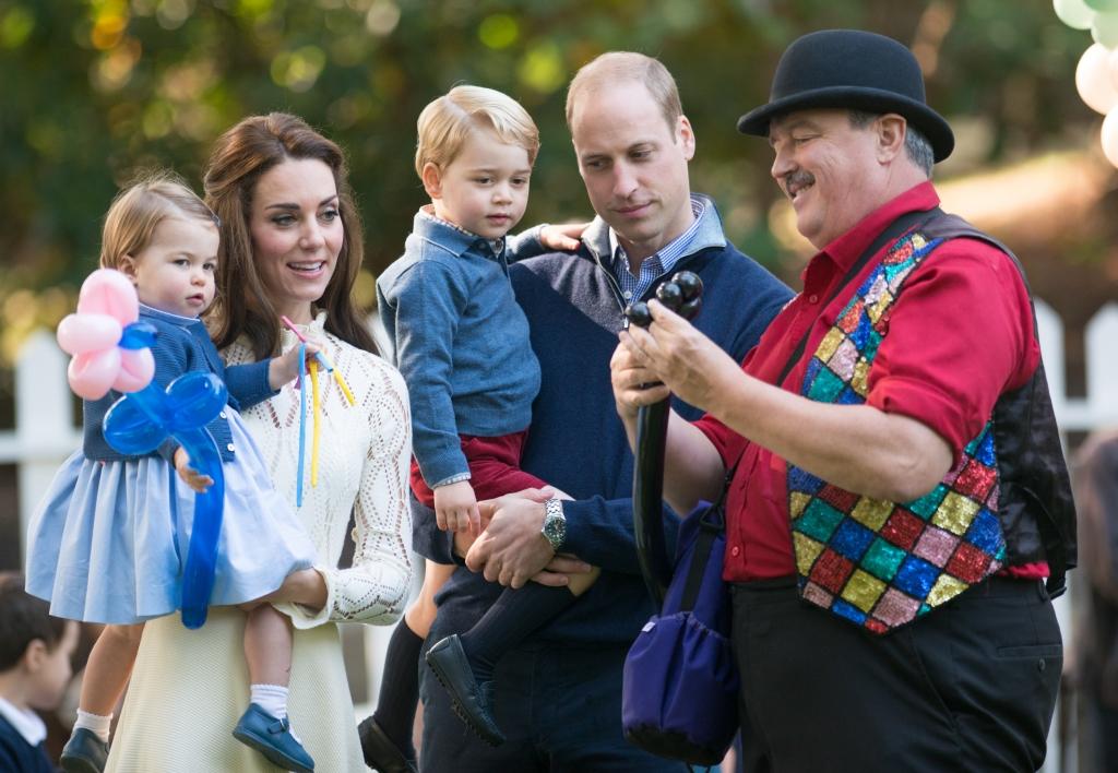 Principe William y Kate con sus hijos George y Charlotte en Canada