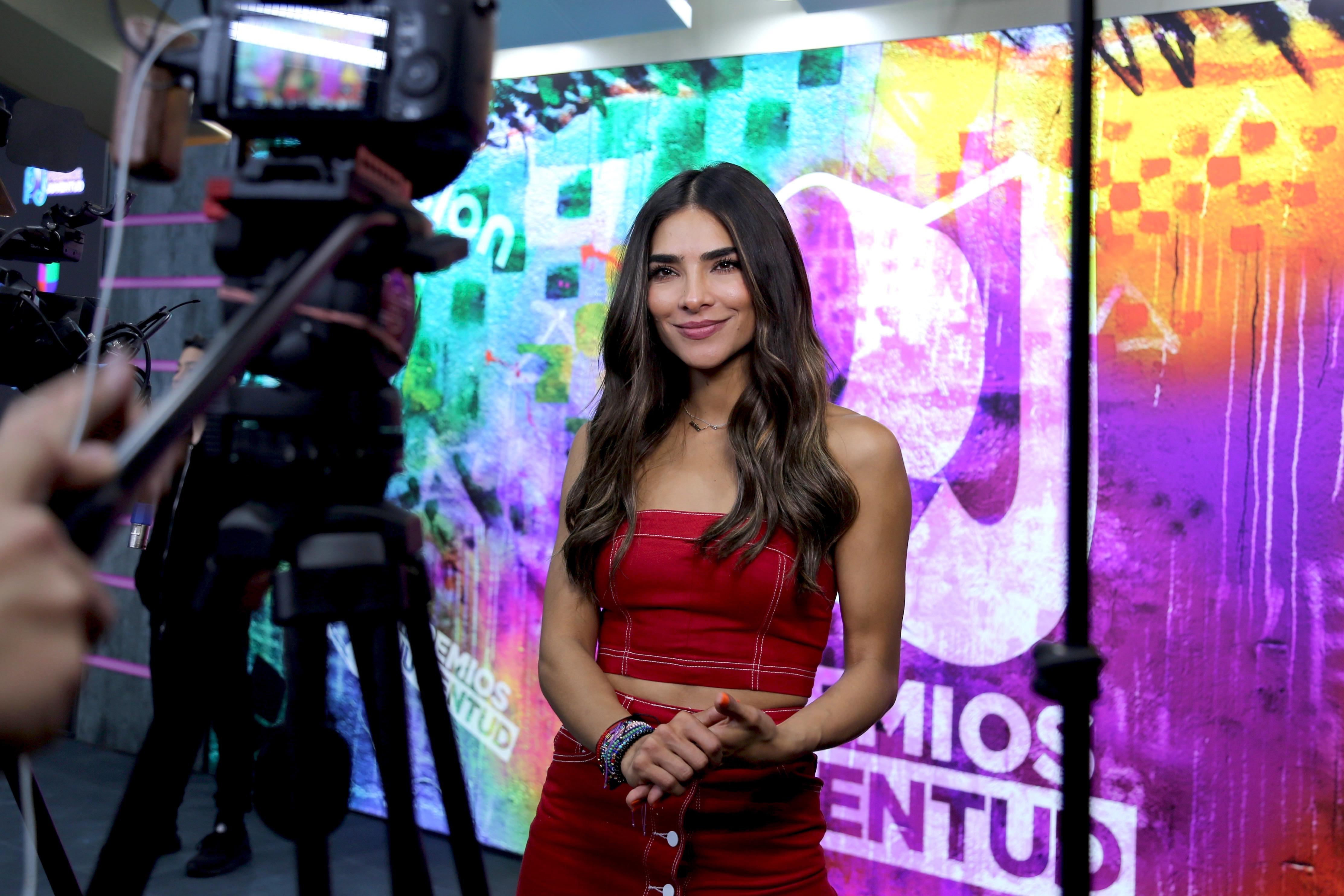 Alejandra Espinoza premios juventud