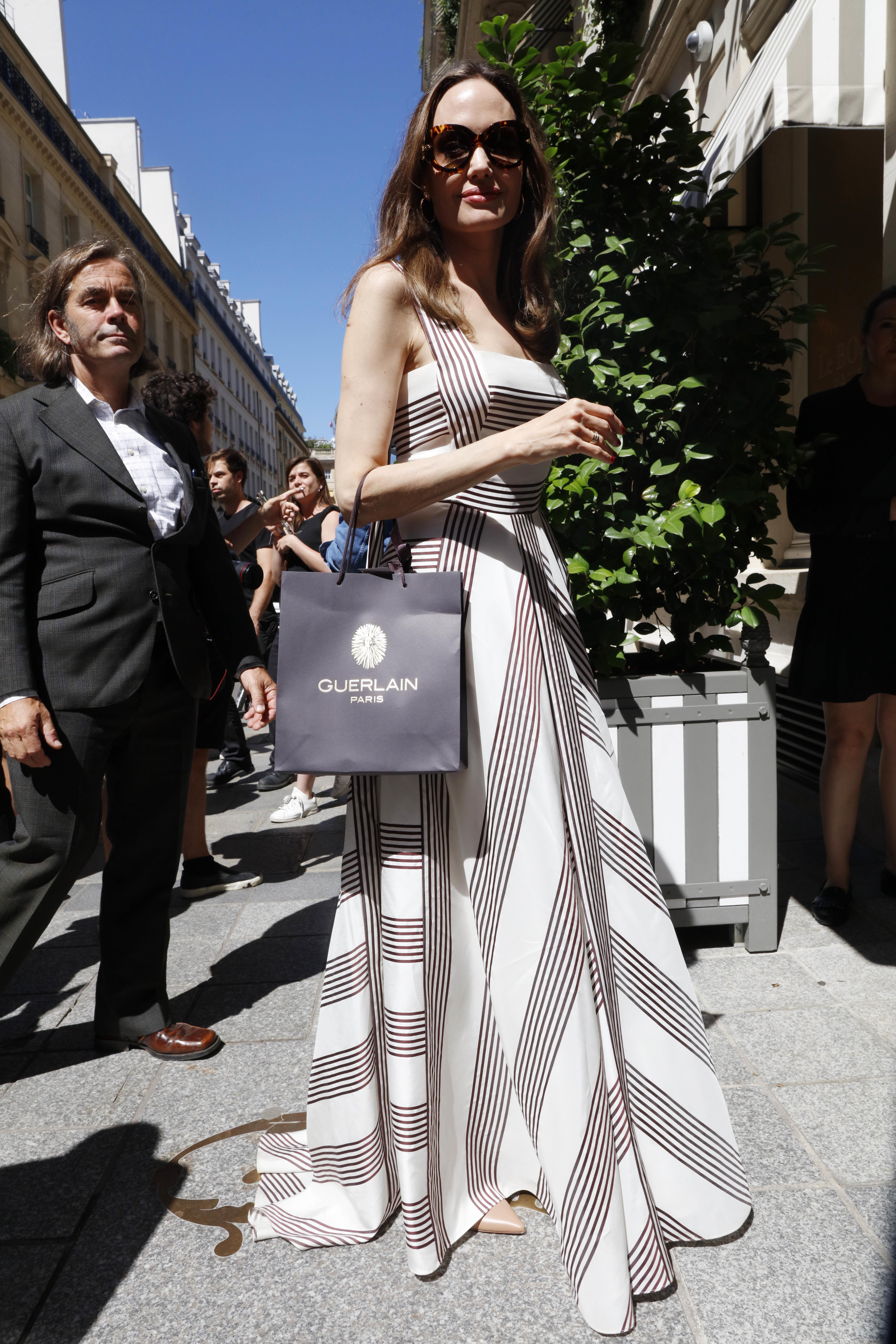 Angelina Jolie, looks, Paris