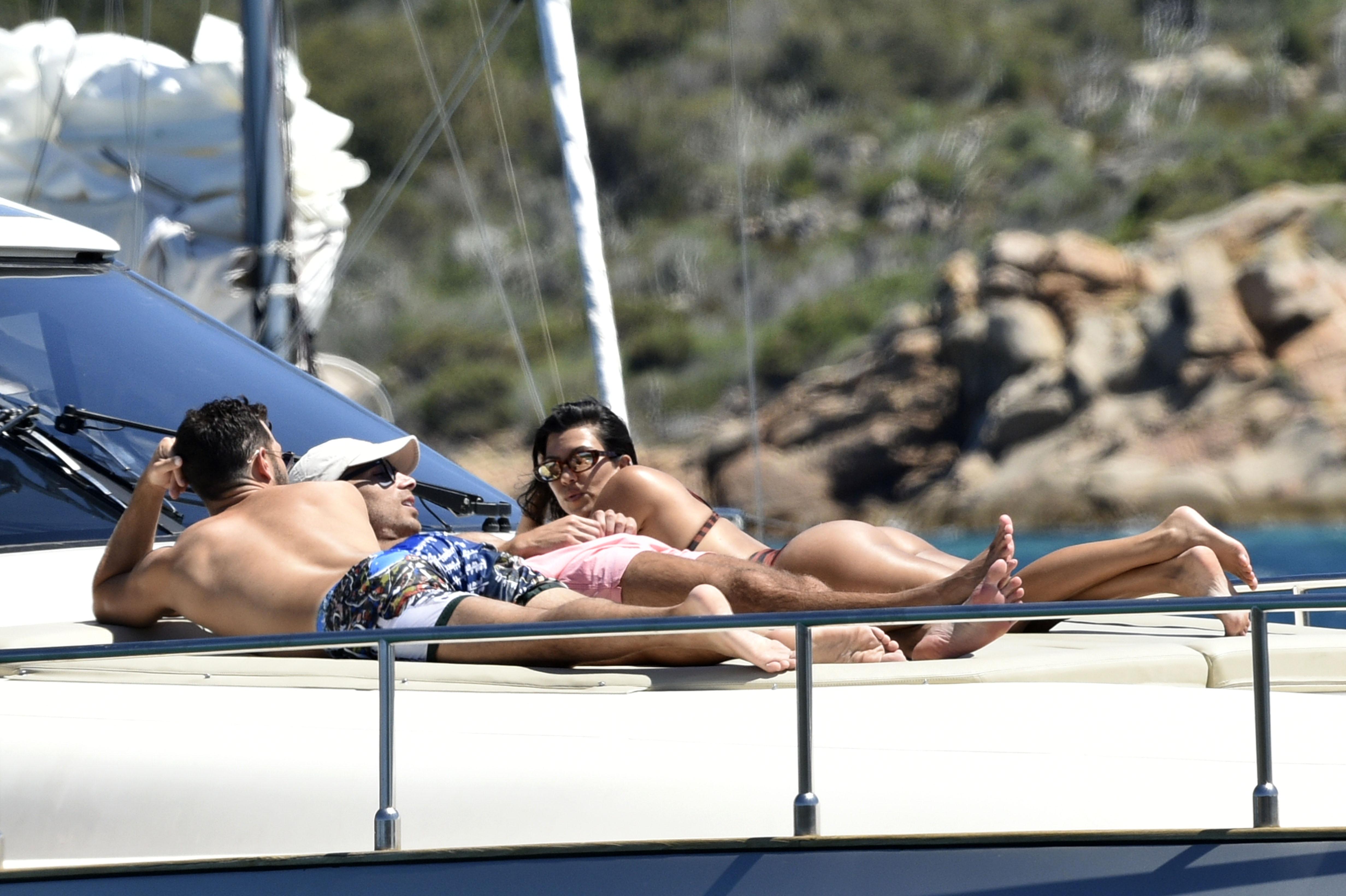 Kourtney Kardashian y amigos de vacaciones