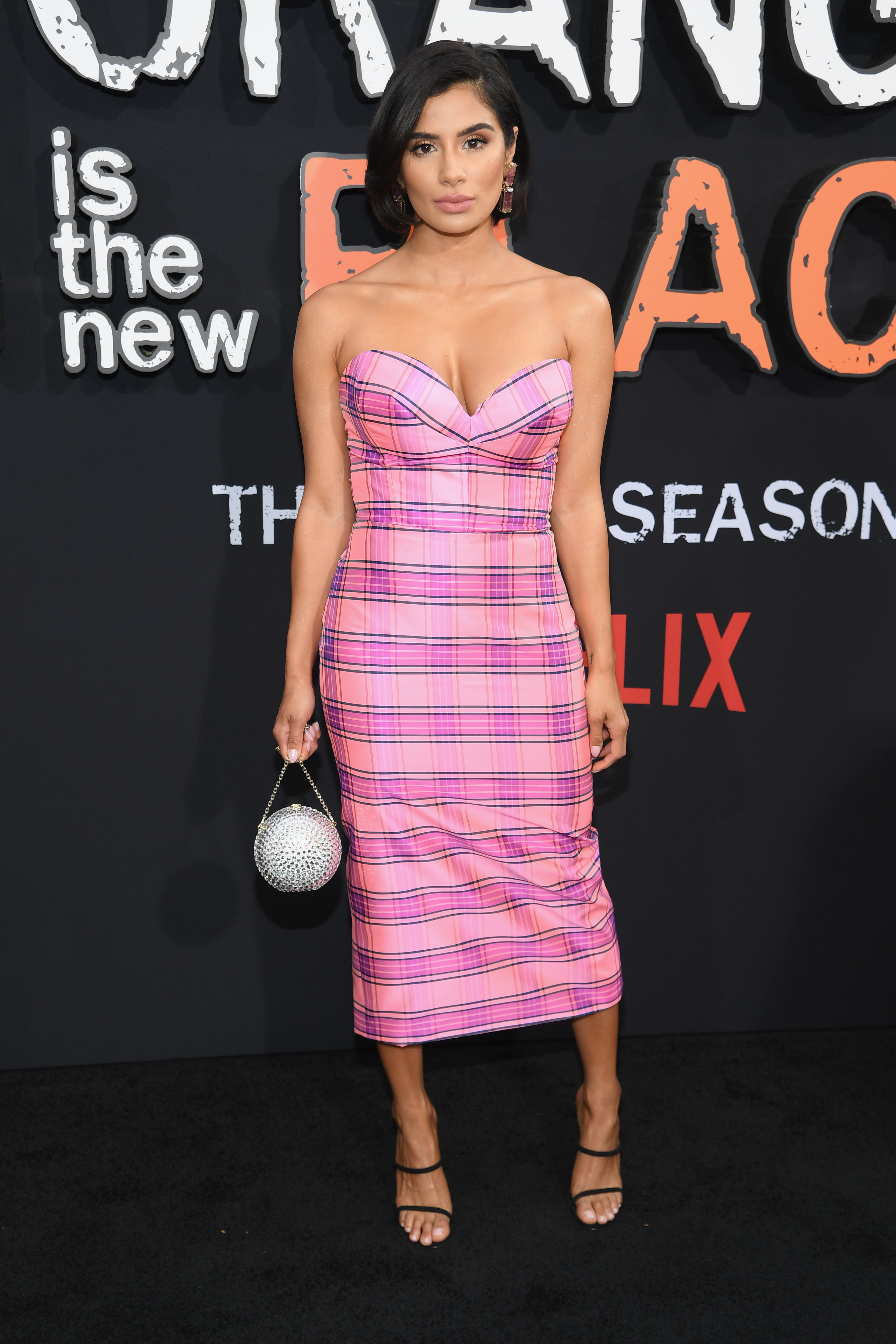 Diane Guerrero, looks, orange is the new black,