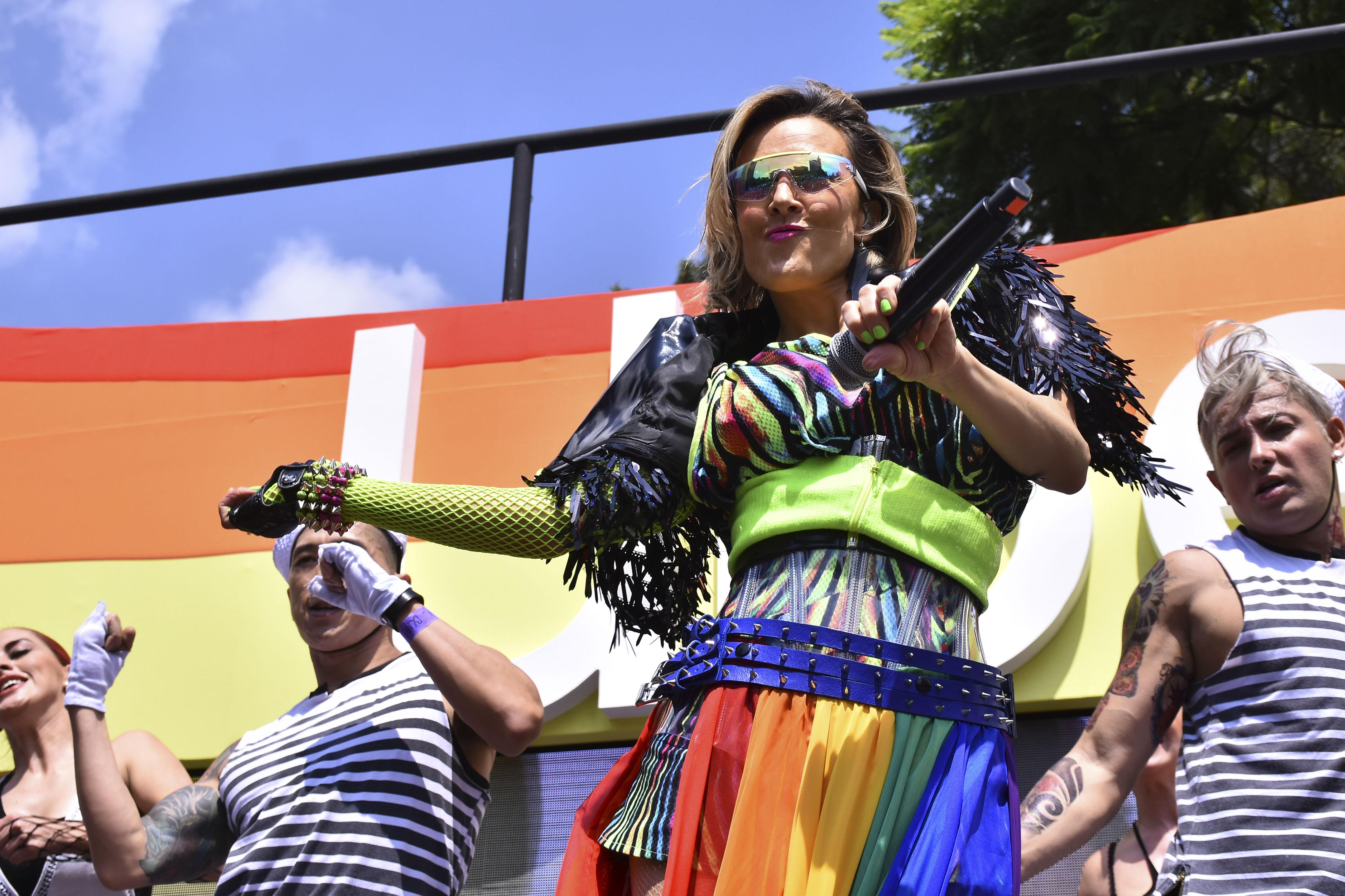 Fey desfile de LGBT en México D.F.