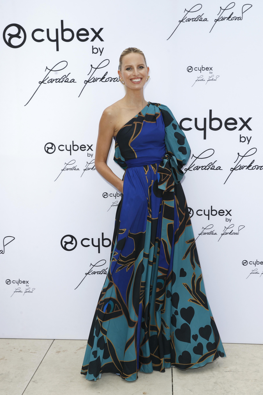 Karolina Kurkova, looks