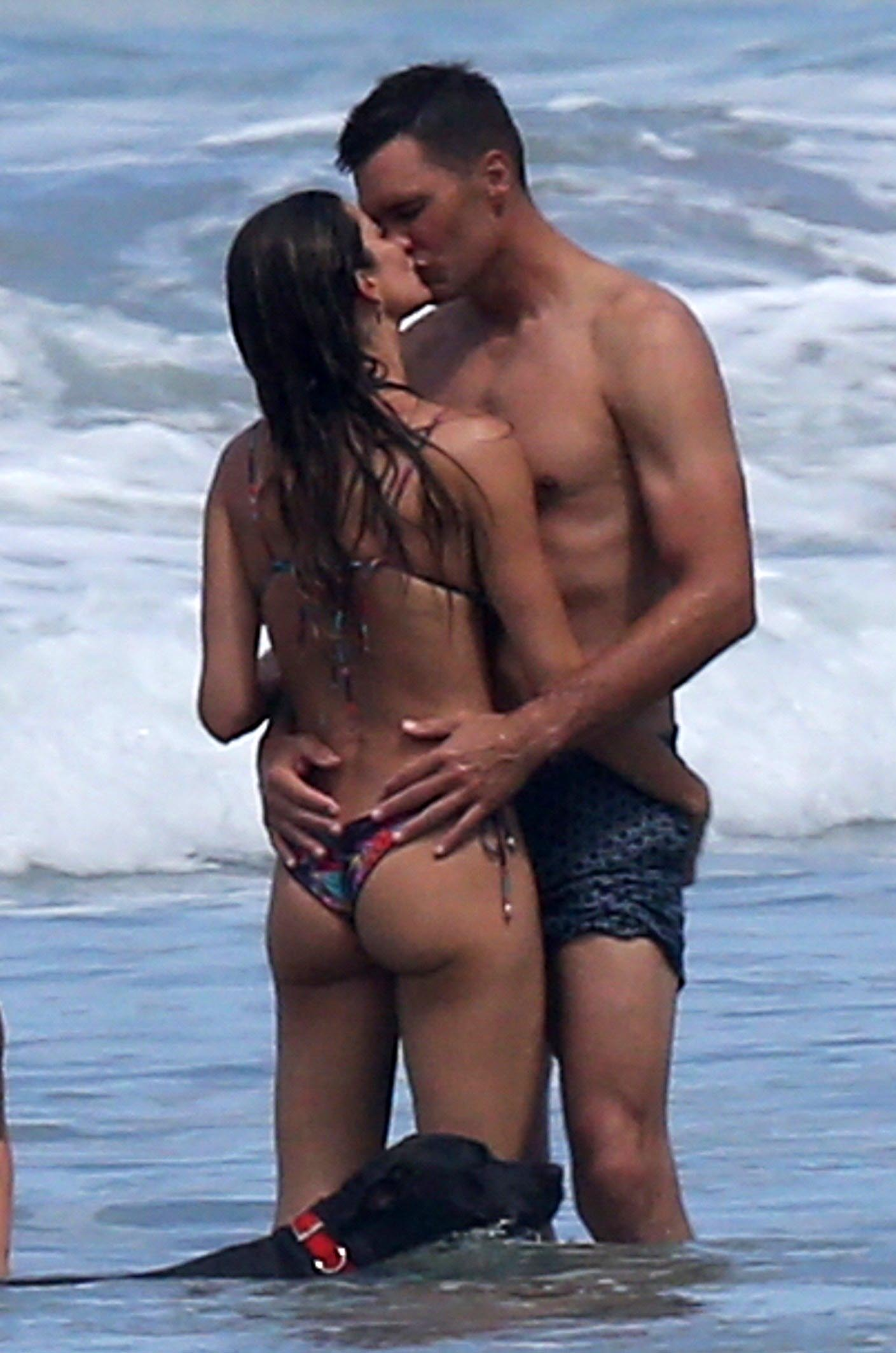 Gisele Bundchen y Tom Brady en playa costa rica