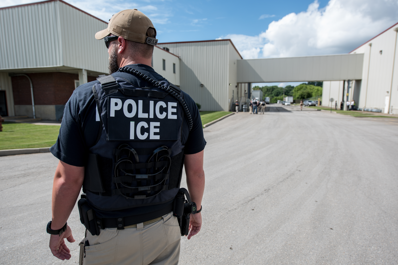 ICE, Servicio de Inmigración y Aduanas