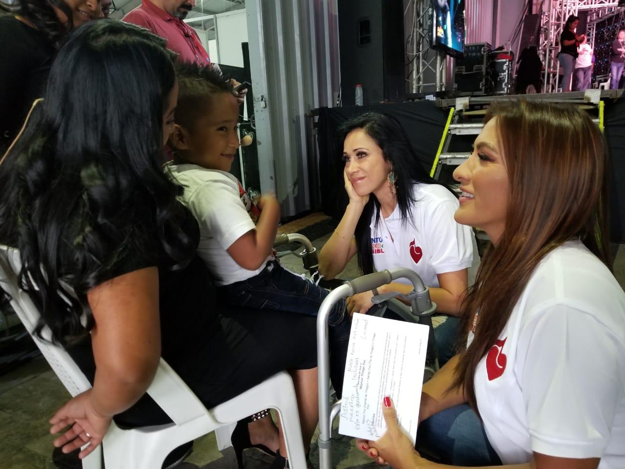 Azucena Cierco y Mónica Noguera Teletón de Guatemala
