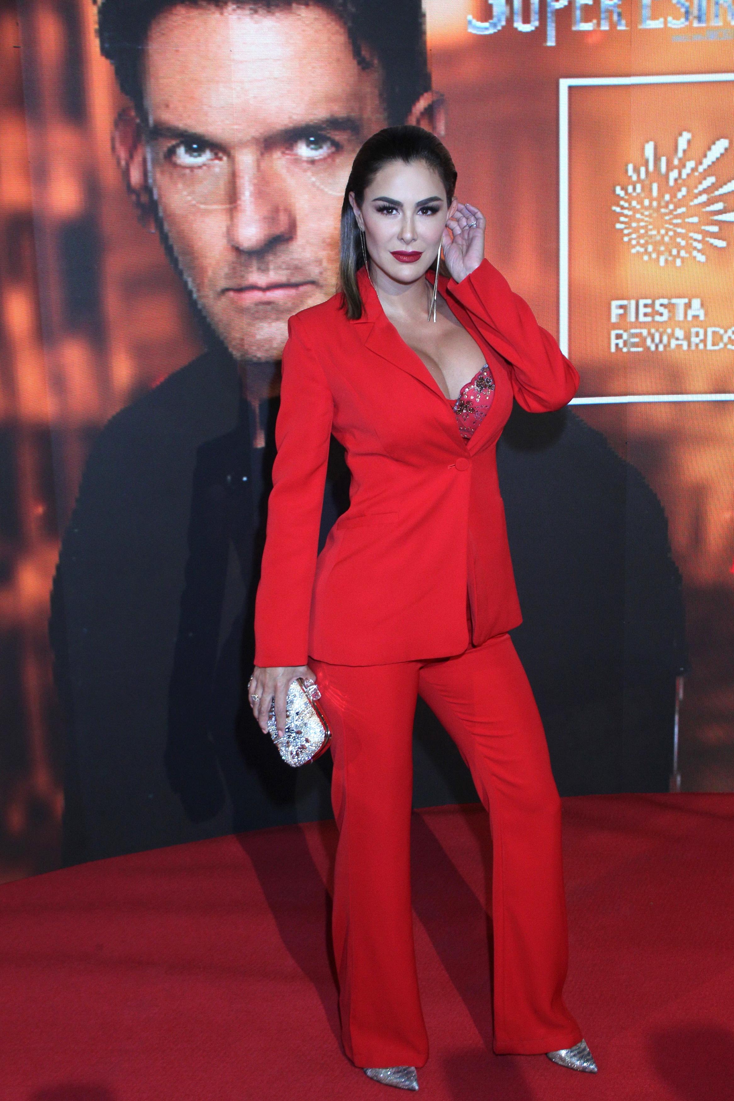 Ninel Conde, look, mexico, premier, serie