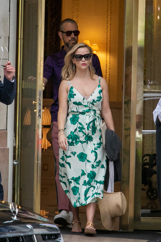 Reese Witherspoon, looks, Paris, verano