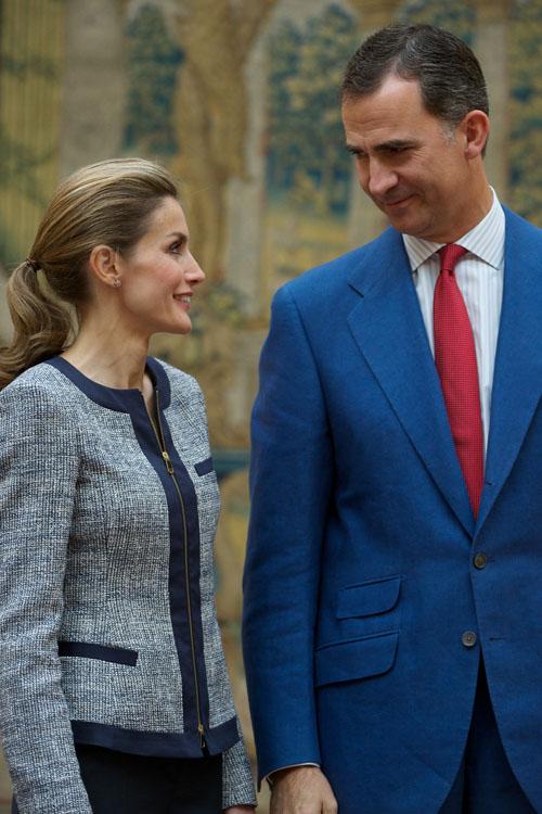 Reyes de España se reúnen con organizaciones LBGT
