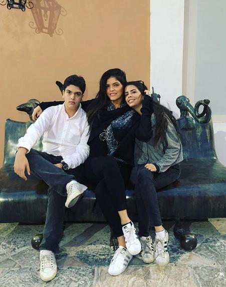 Paula Levy e hijos