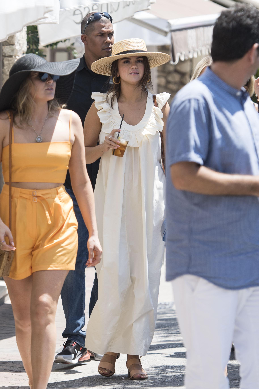 Selena Gomez, looks, vacaciones, capri, italia