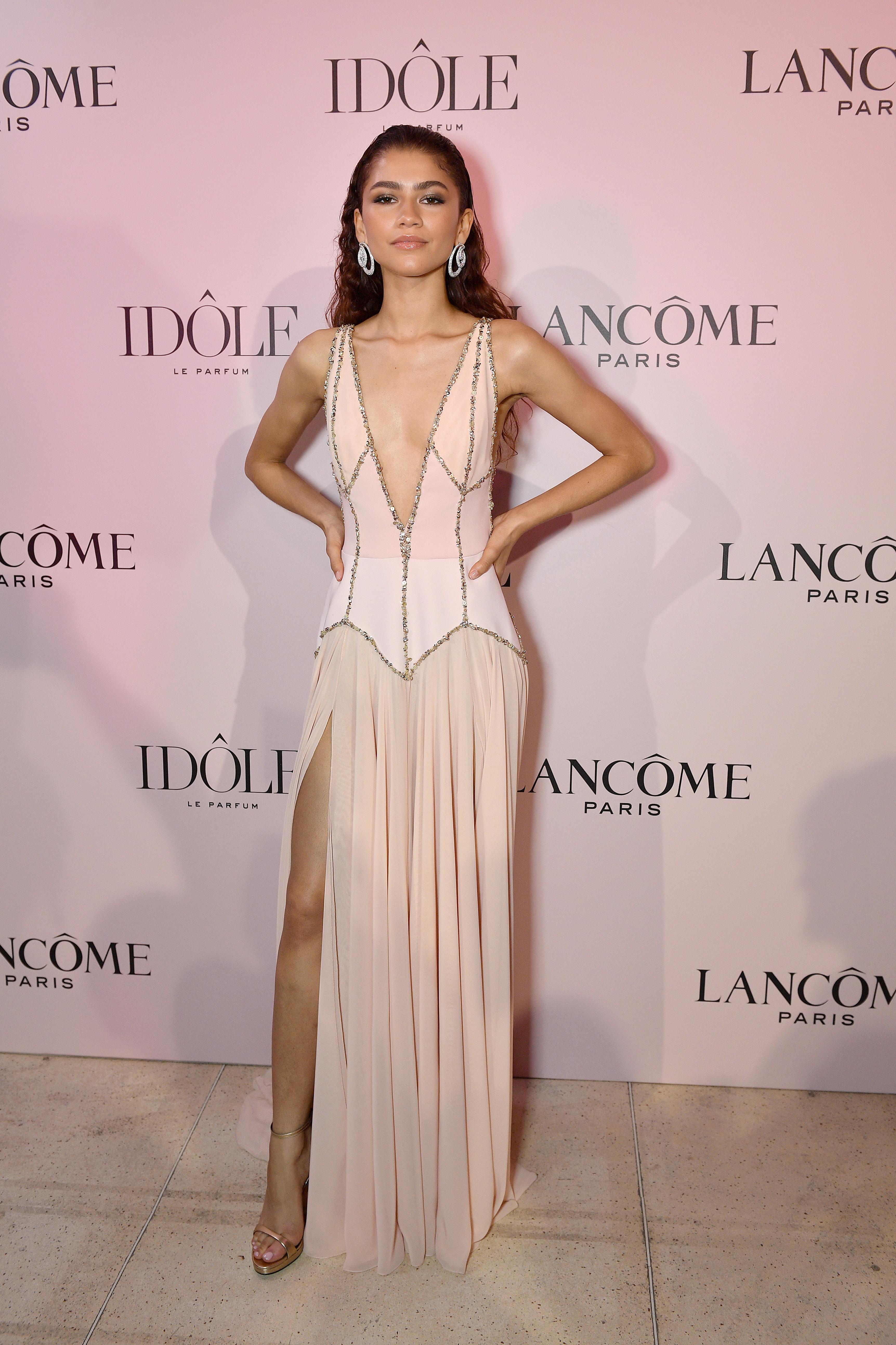 Zendaya, vestido, look, lancome, paris, perfume, imagen