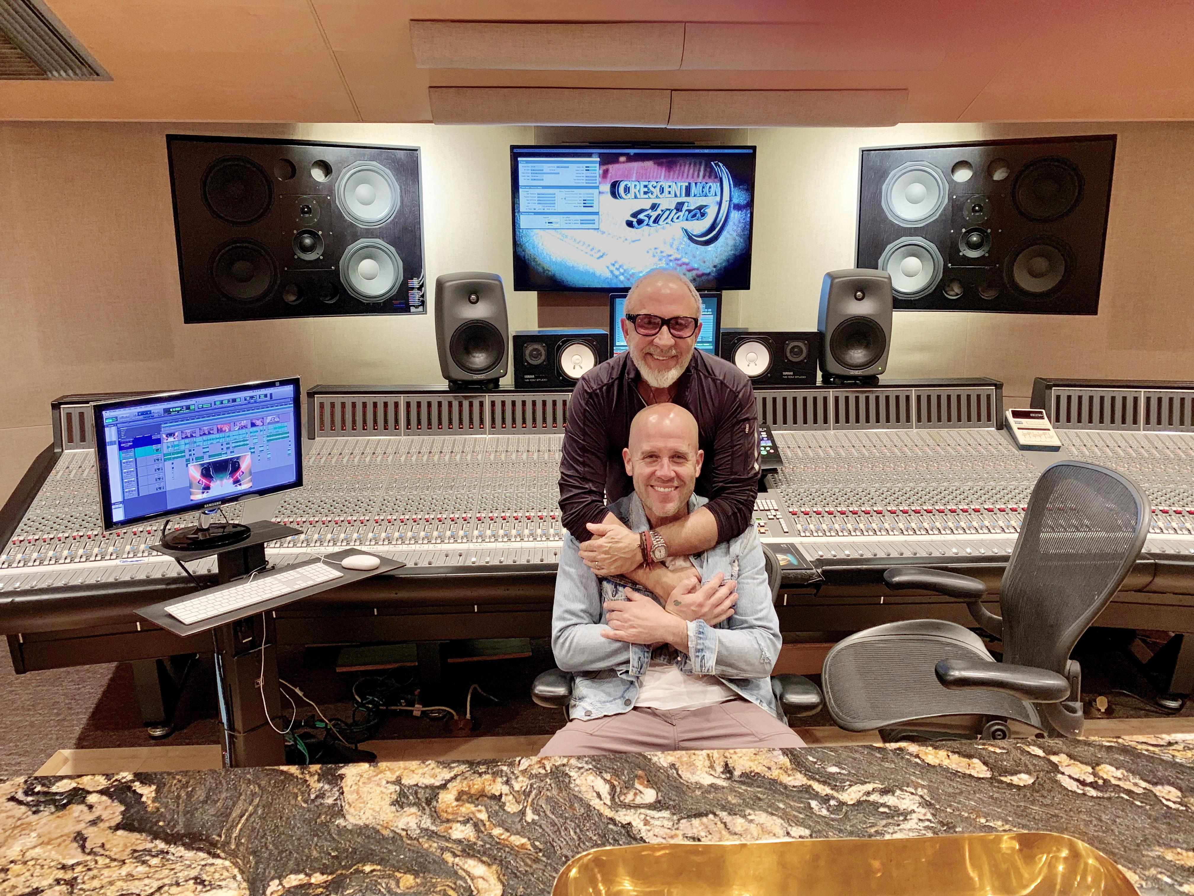 Emilio Estefan y Gian Marco - Hot List - 5 - September 2019