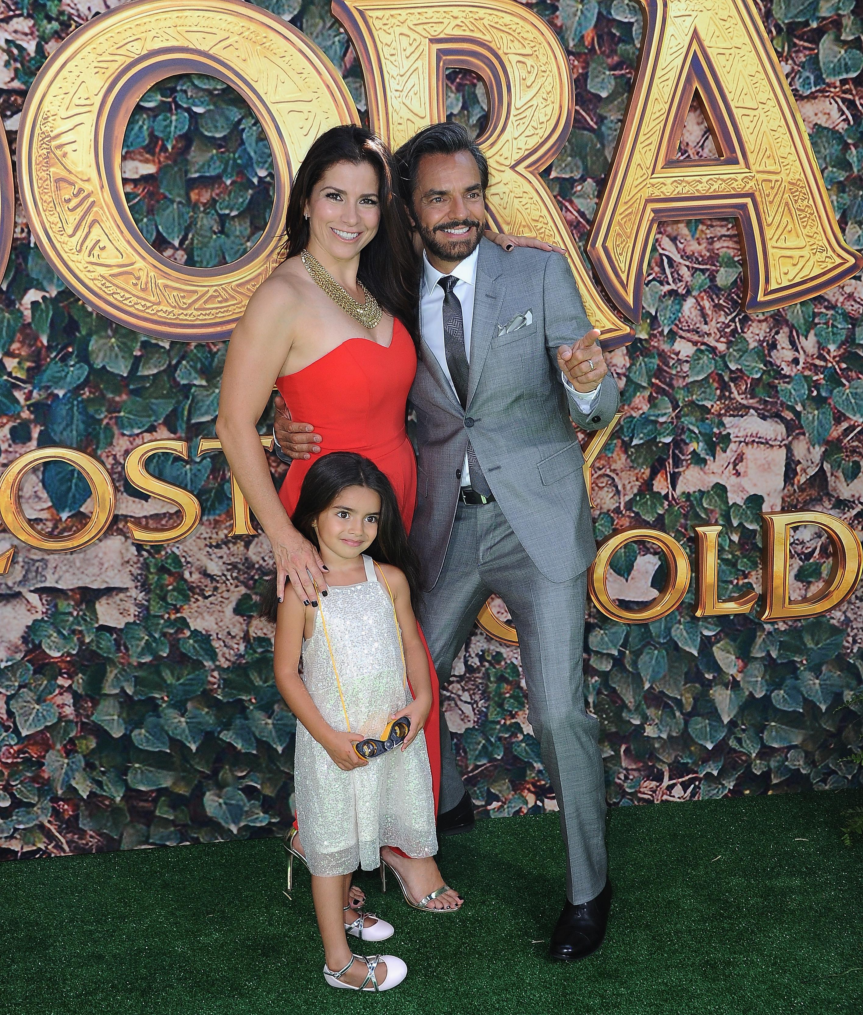 Alessandra Rosaldo y Aitana Derbez y eugenio derbez premiere Dora And The Lost City Of Gold