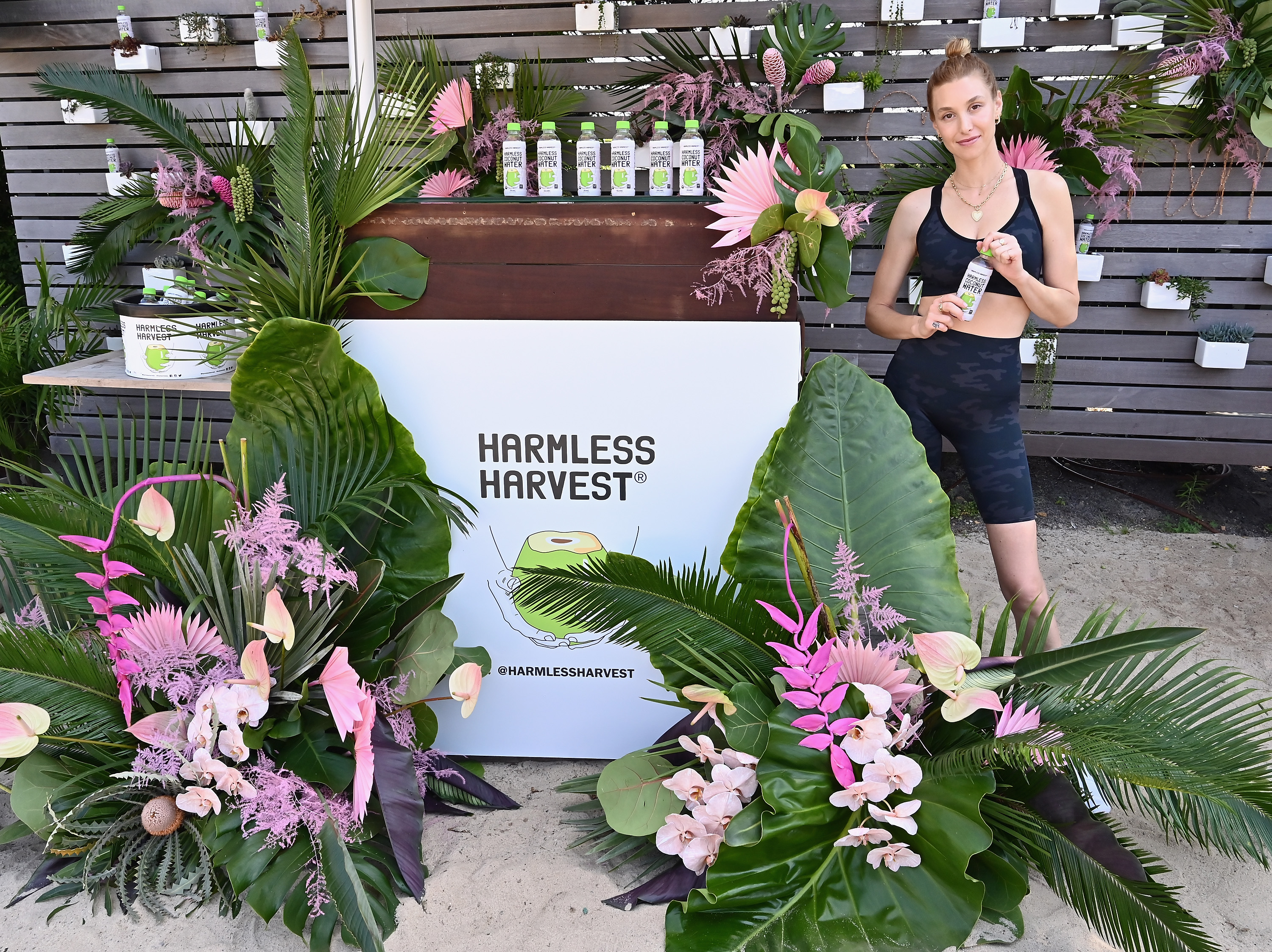 Whitney Port Harmless Harvest clase en montauk