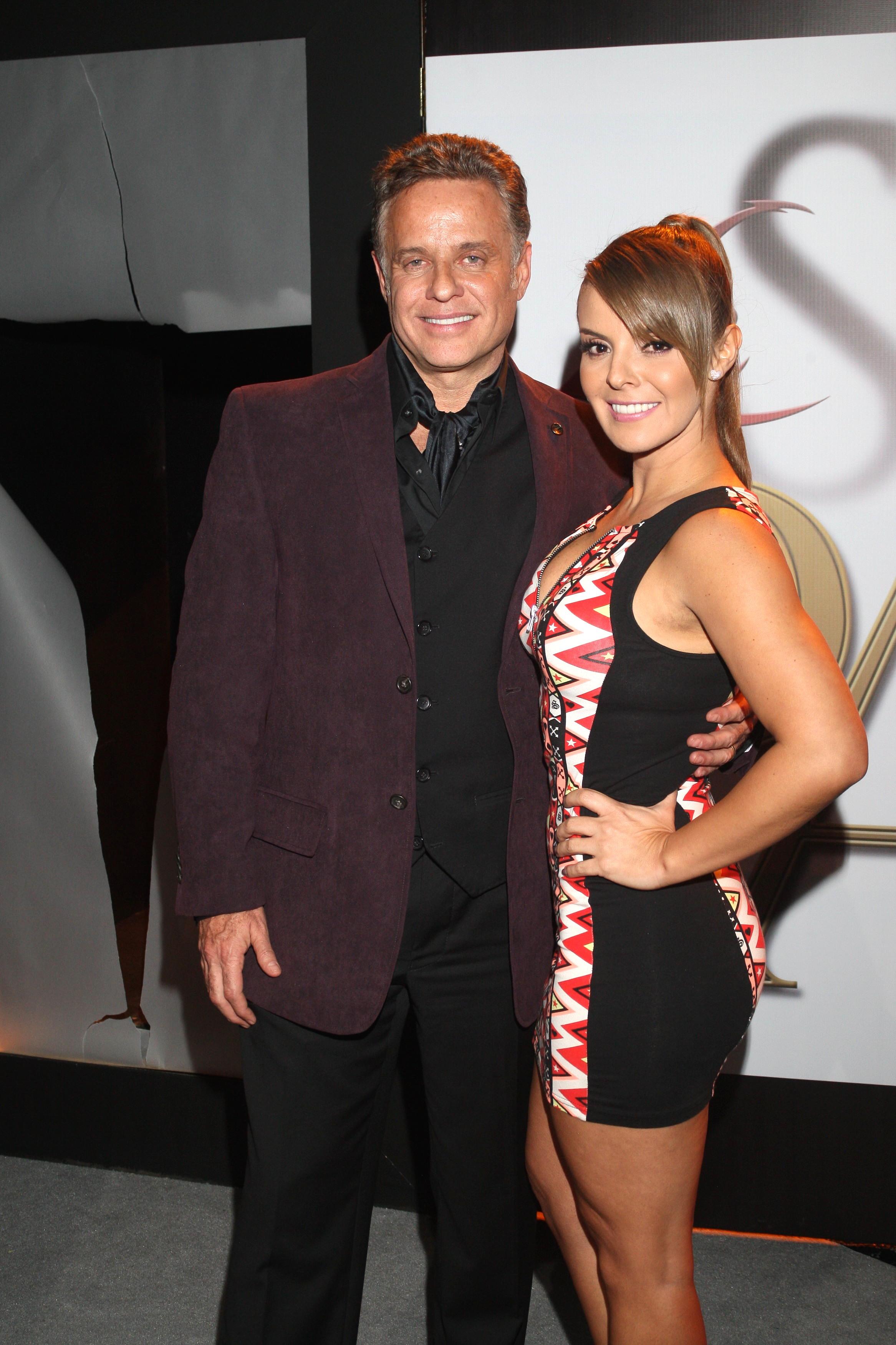 """Alexis Ayala y su esposa Fernanda López participan en """"La Sombra del Pasado"""", telenovela de estreno por Televisa a partir del próximo lunes/México, 5 de noviembre 2014."""