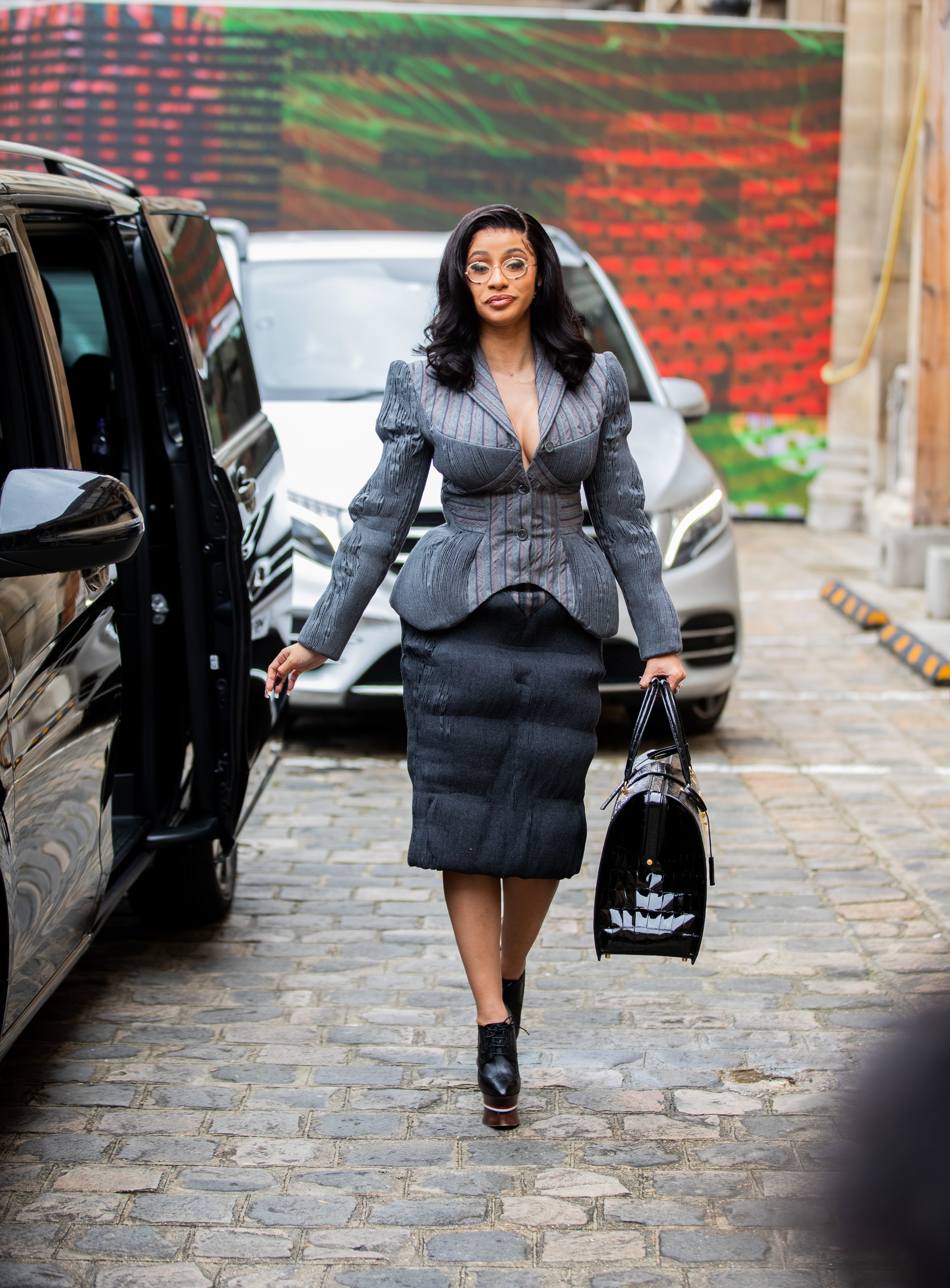 Cardi B, look, semana de la moda paris,