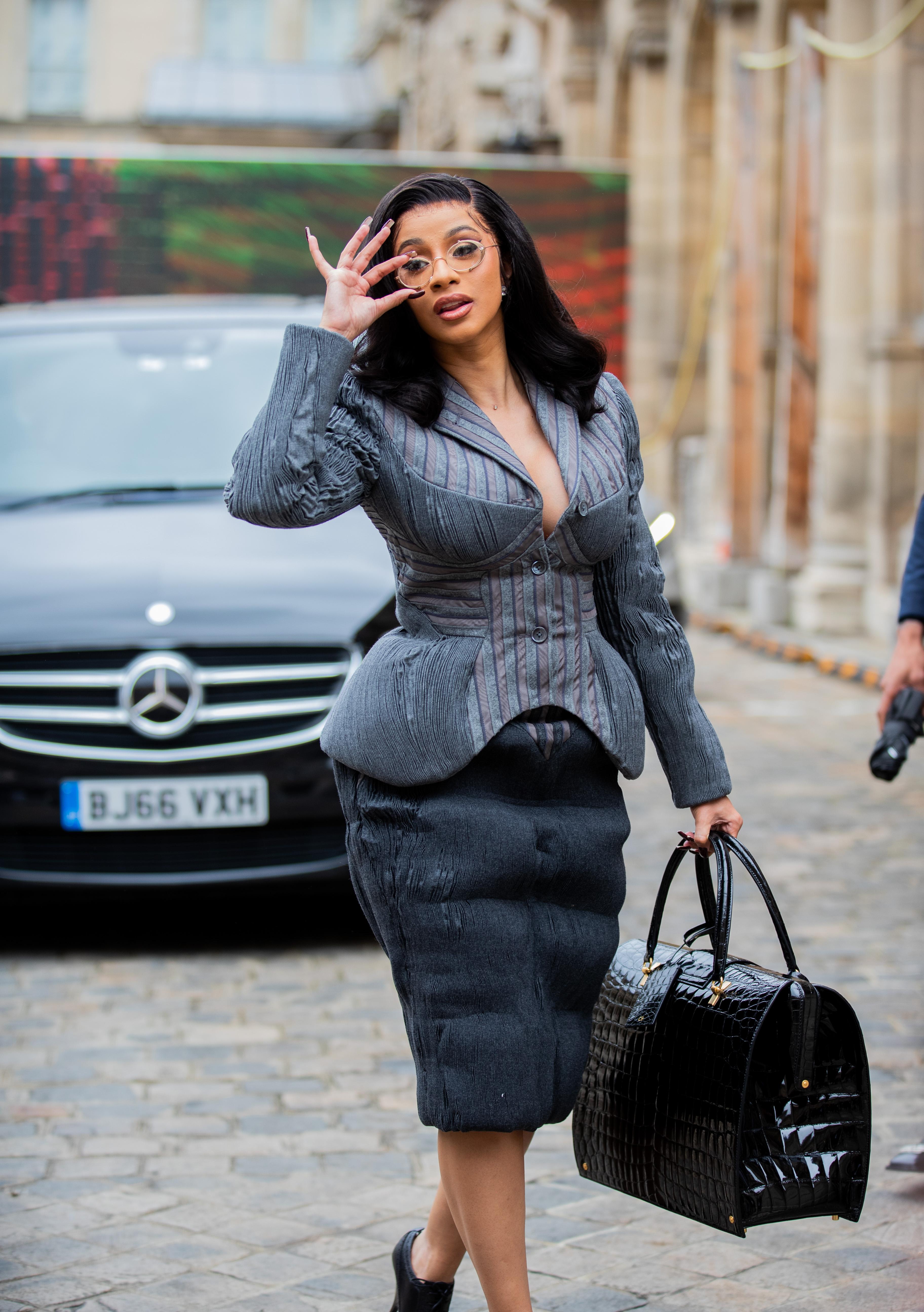 Cardi B, estilo, moda, semana de la moda de París