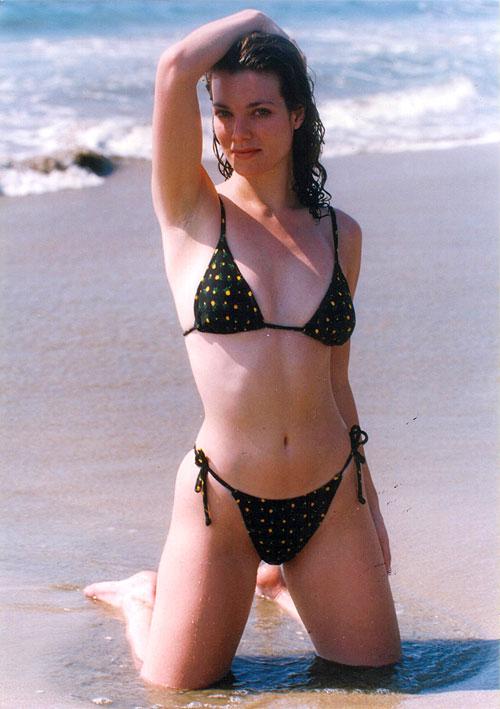 Katie Barberi, TBT bikinazos