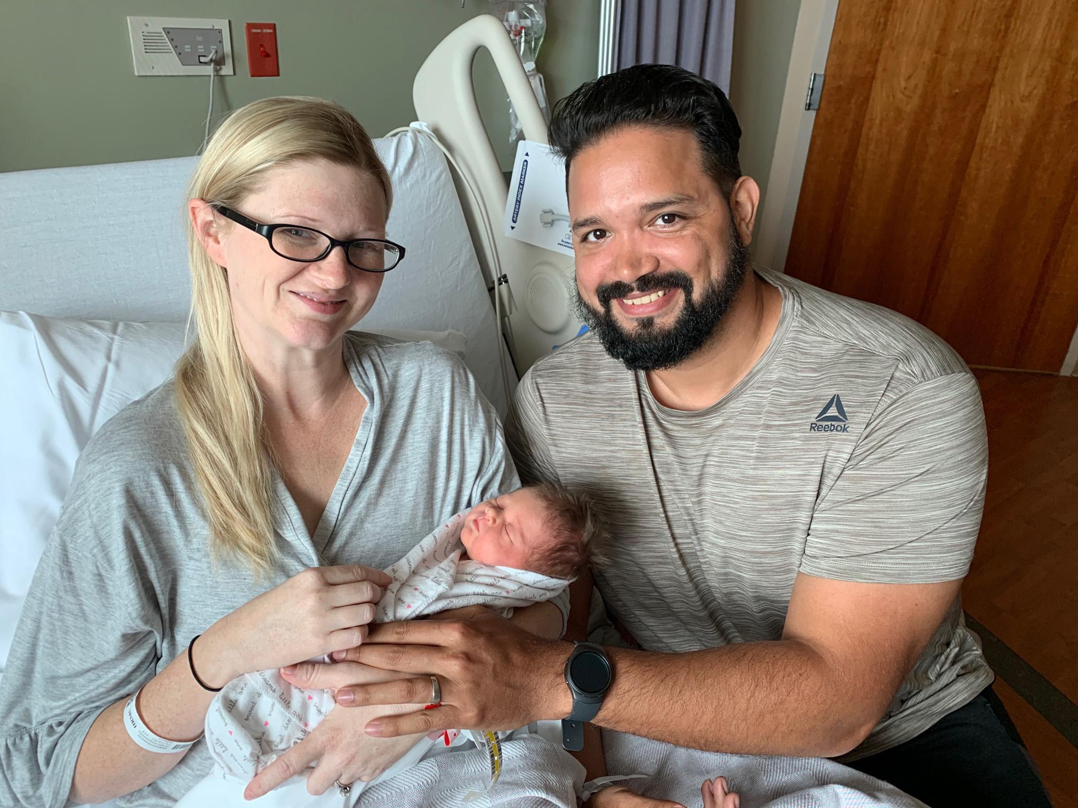 Laura Suazo y bebe