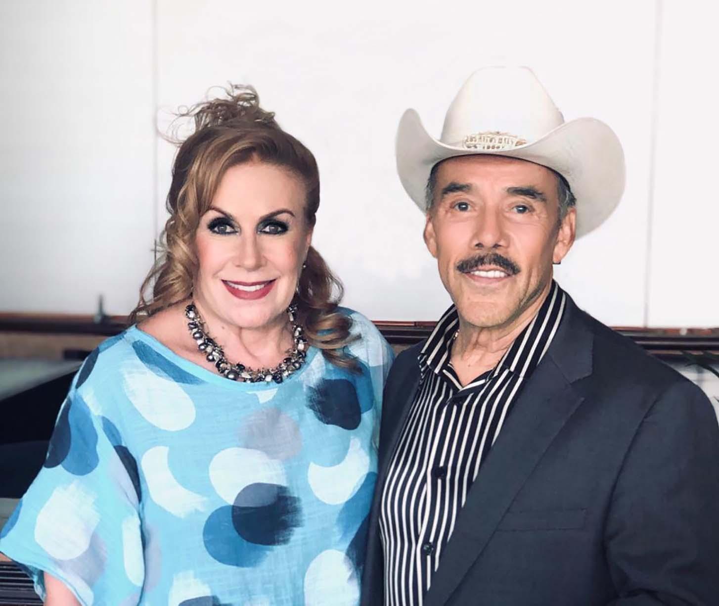 Laura Zapata y Don Pedro Rivera - Buzz - October 2019