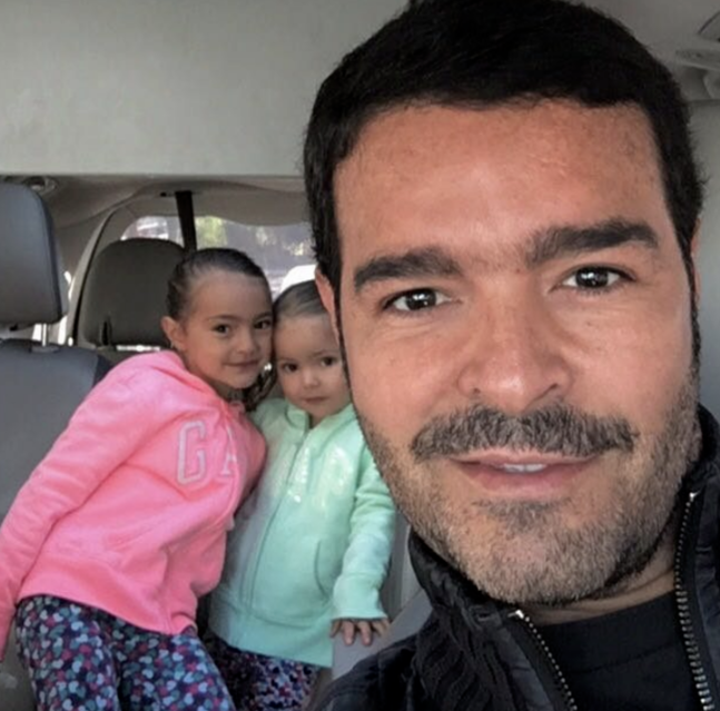 Pablo Montero e hijas
