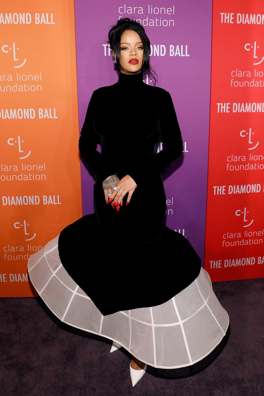 Rihanna, looks, cena, fundacion, new york