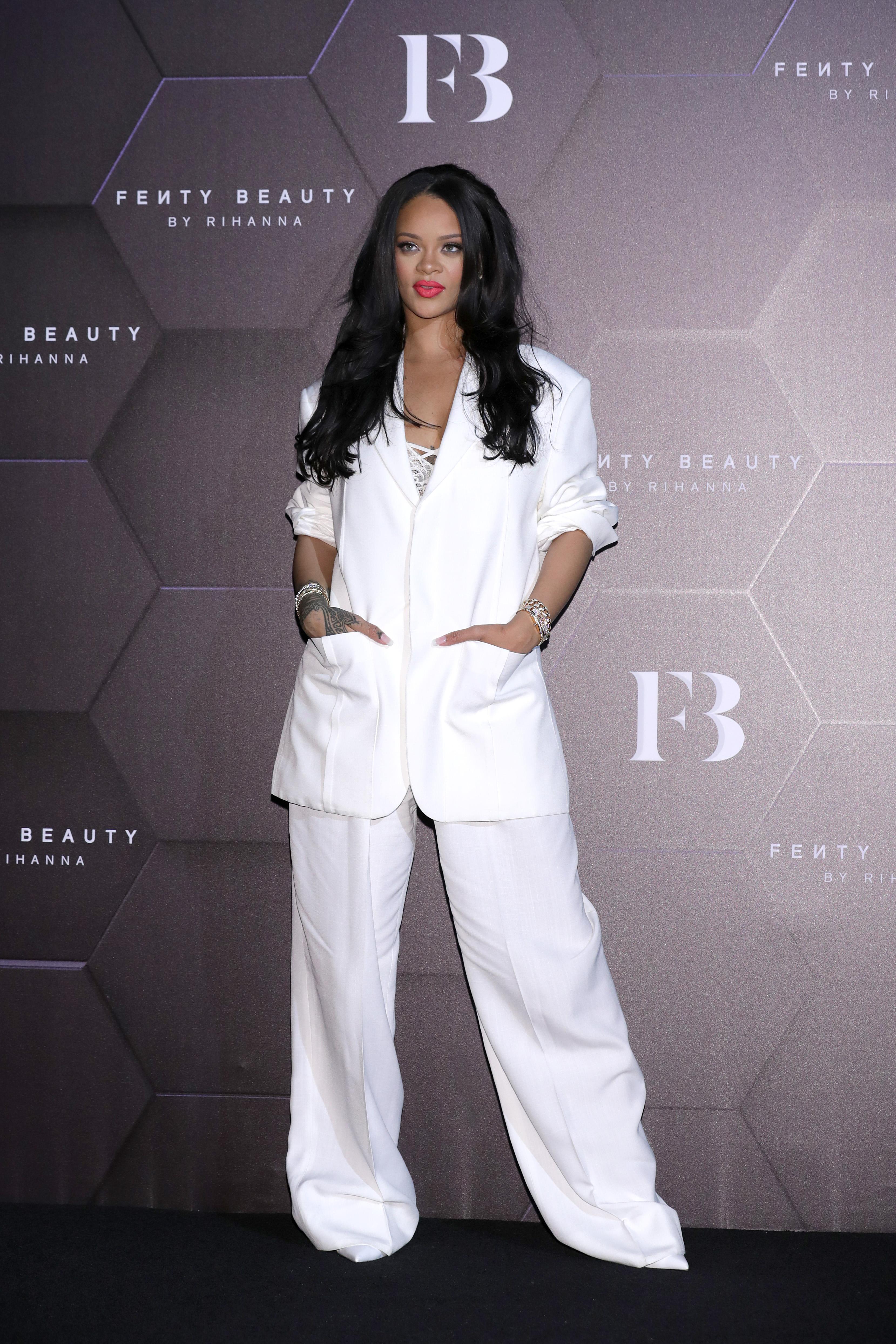 Rihanna, look, corea del sur