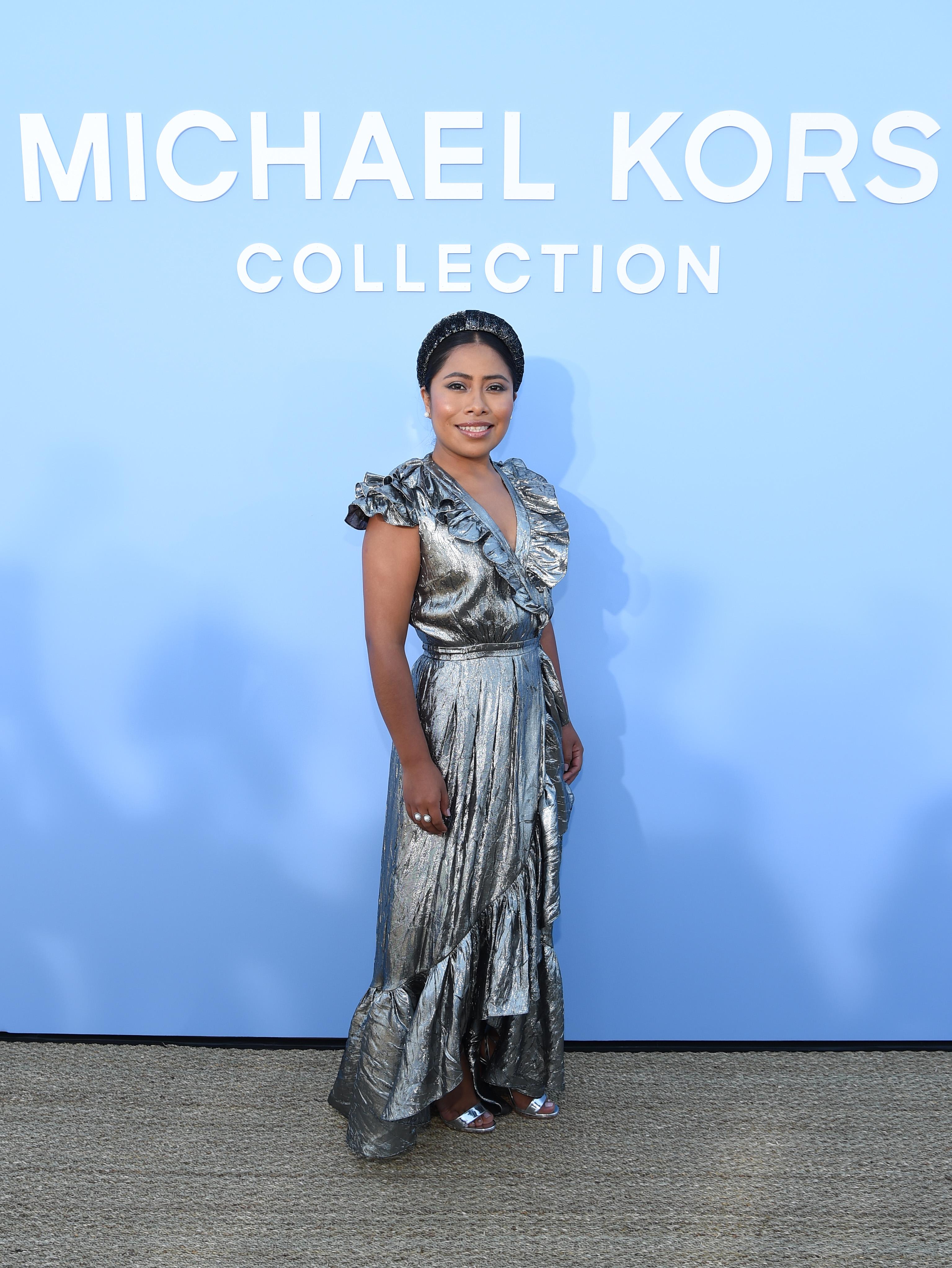 Yalitza Aparicio, looks, michael kors, desfile, semana de la moda, new york