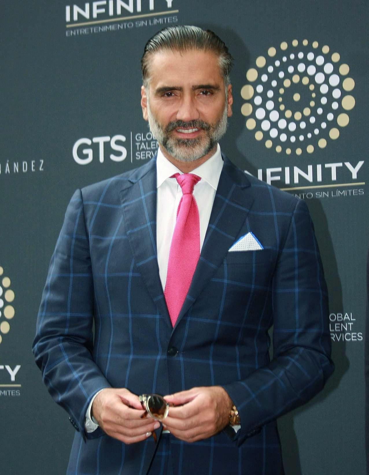 Singer Alejandro Fernandez Presents His New Agency