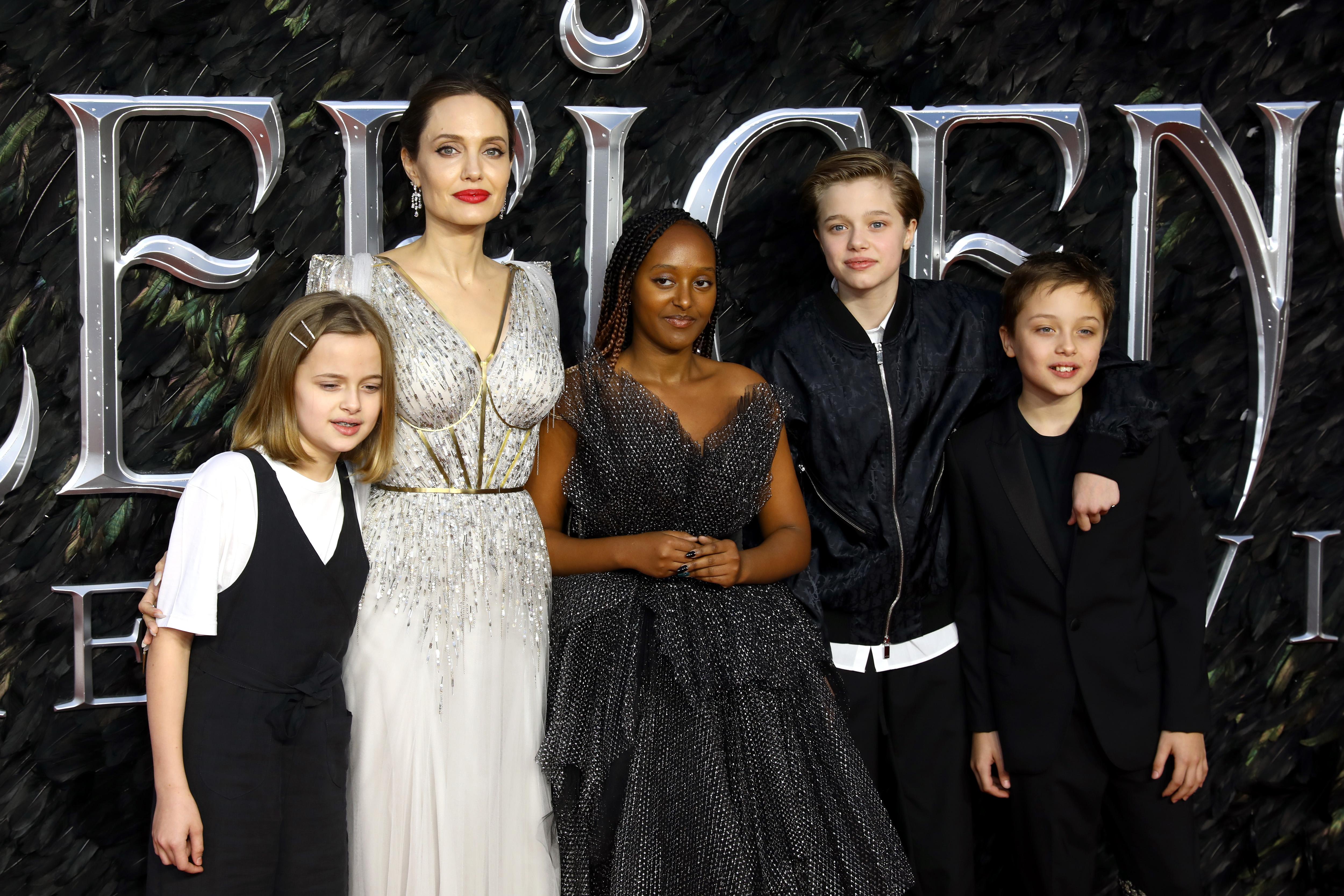 Angelina Jolie con sus hijos estreno de Maleficent: Mistress of Evil