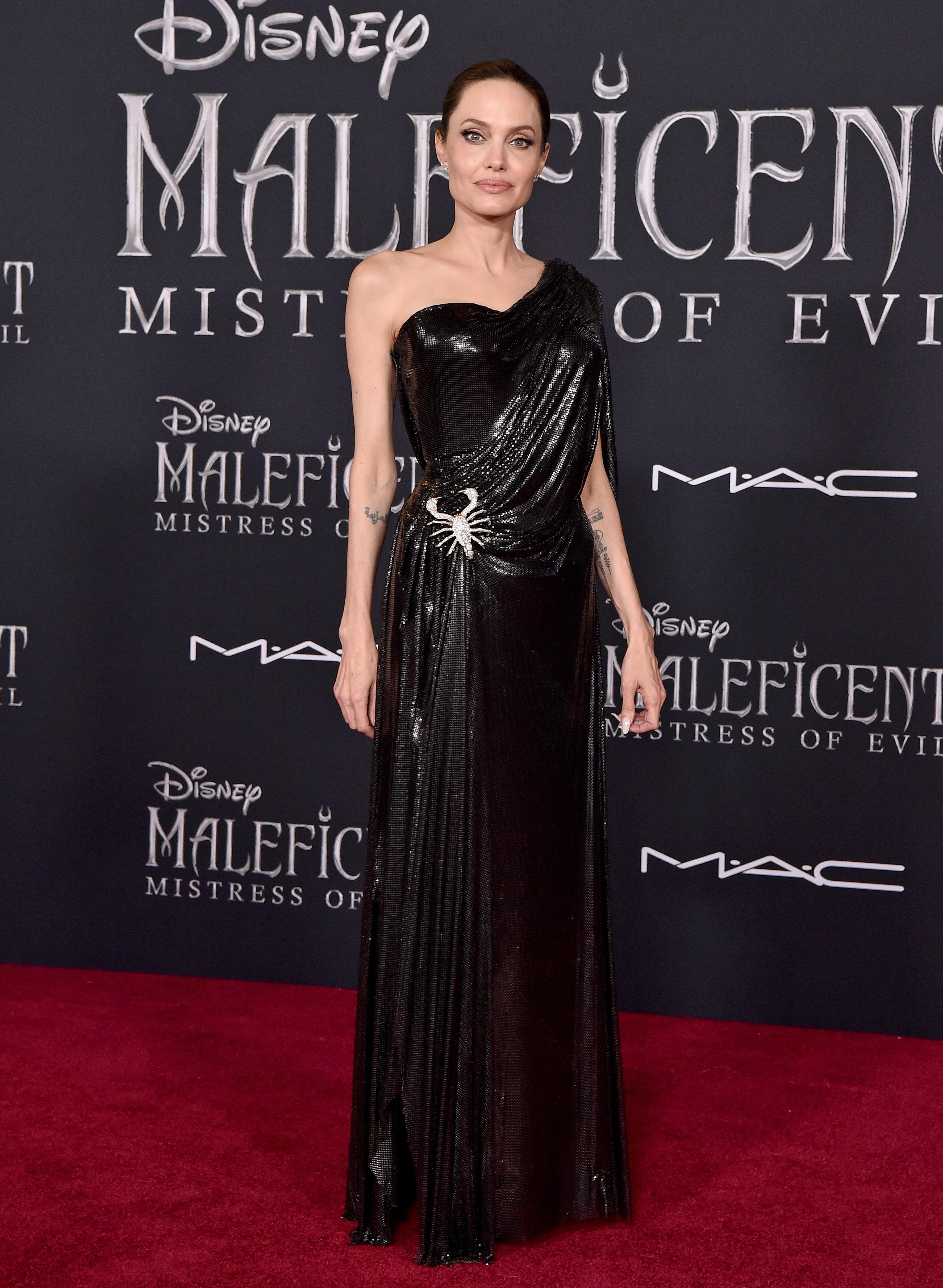 Angelina Jolie, look, premier, Maleficent