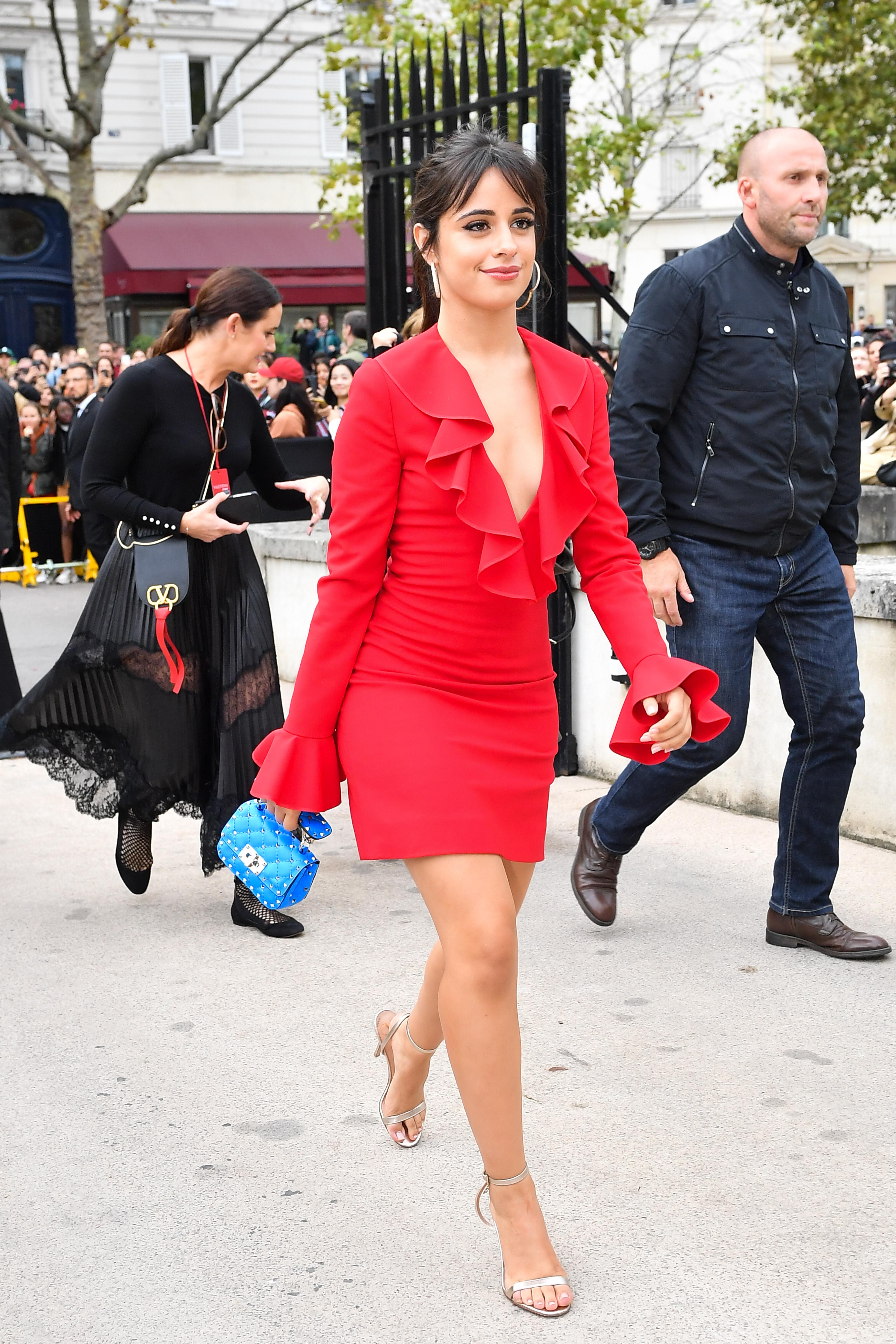Camila Cabello, looks, semana de la moda, Paris
