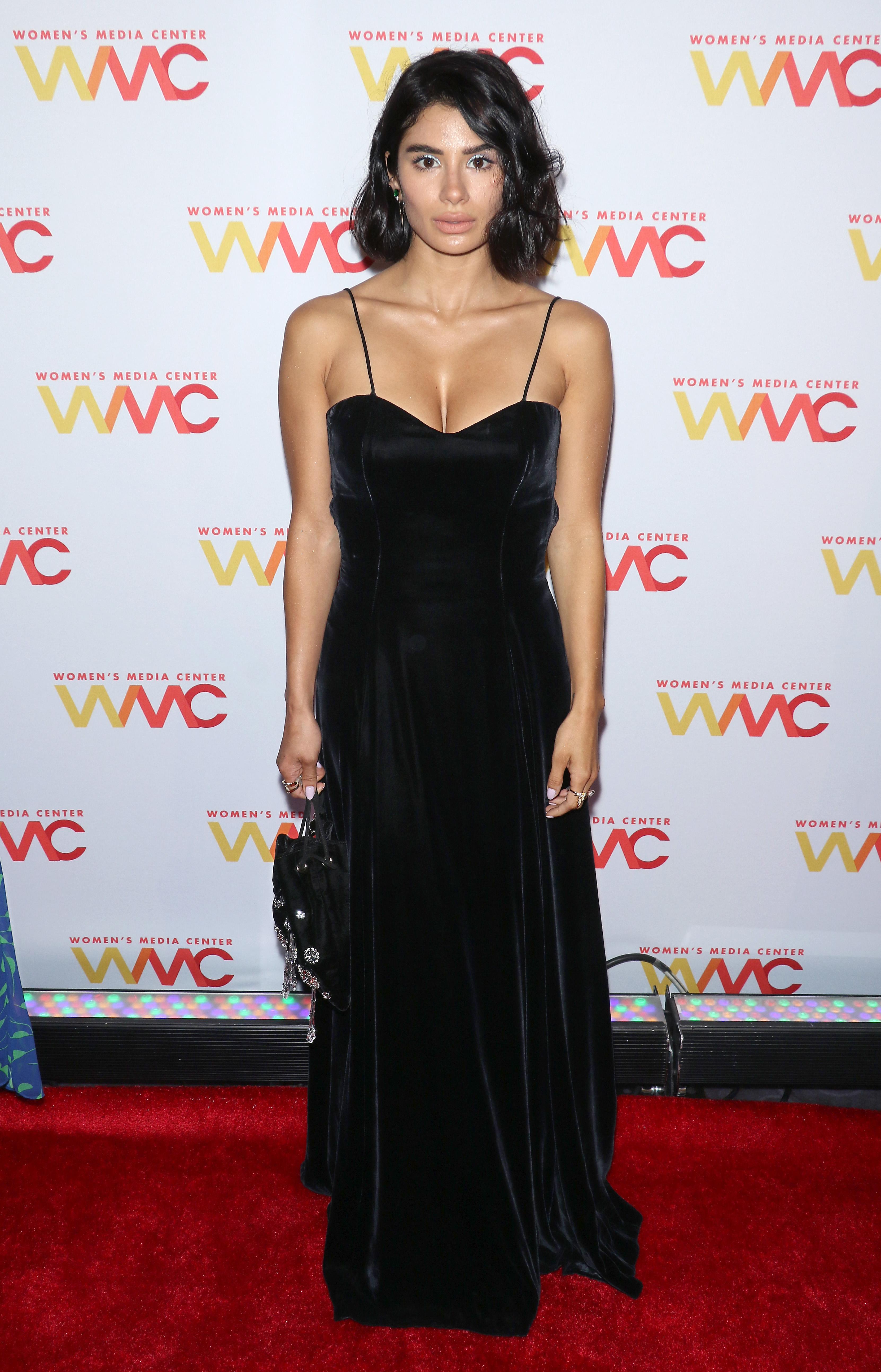 Diane Guerrero, looks