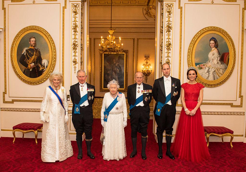 Reina Isabel de Inglaterra, Príncipe Carlos, Camila, Kate, William