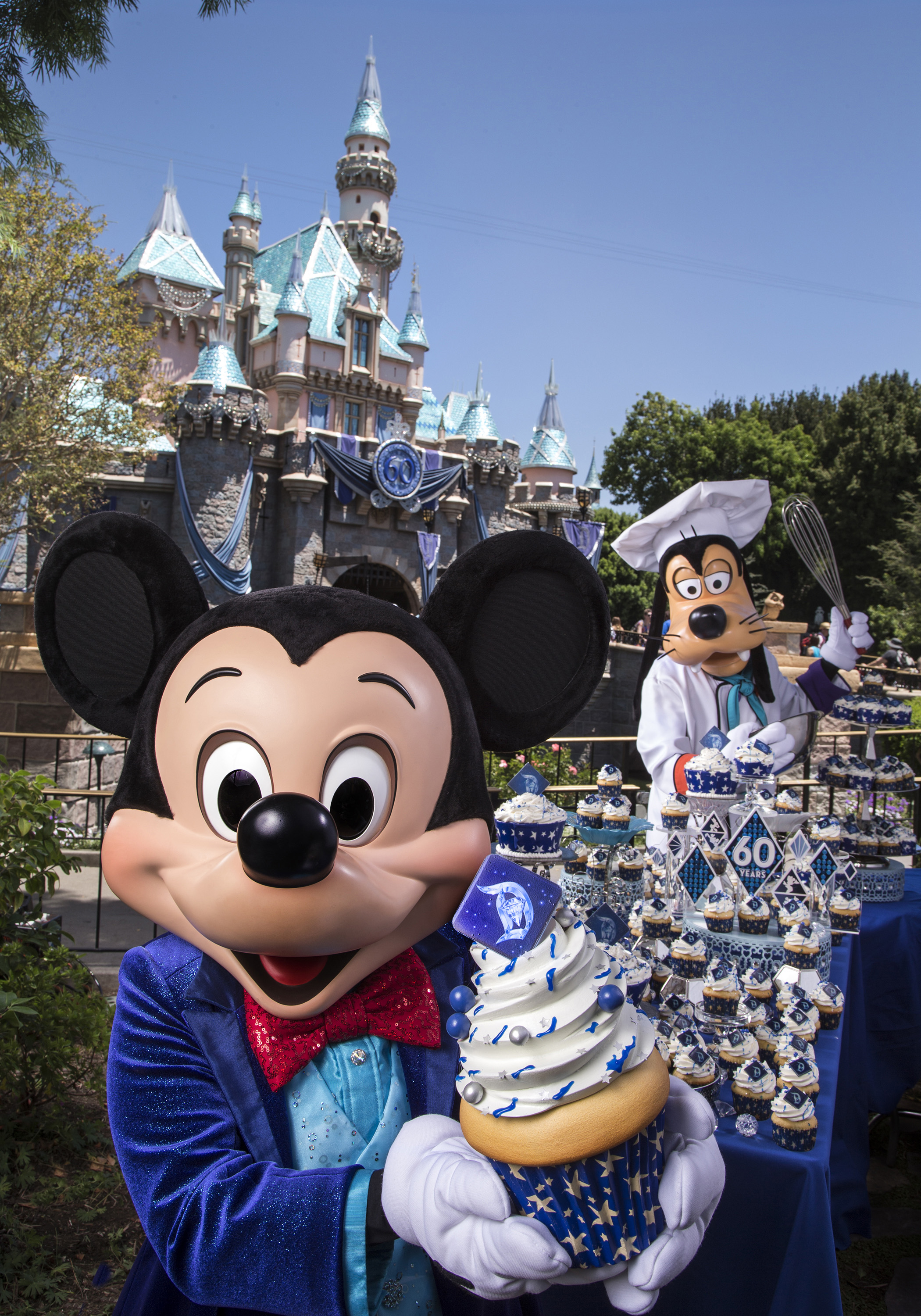 Mickey Mouse And Goofy Prepare For Disneyland 60th Anniversary