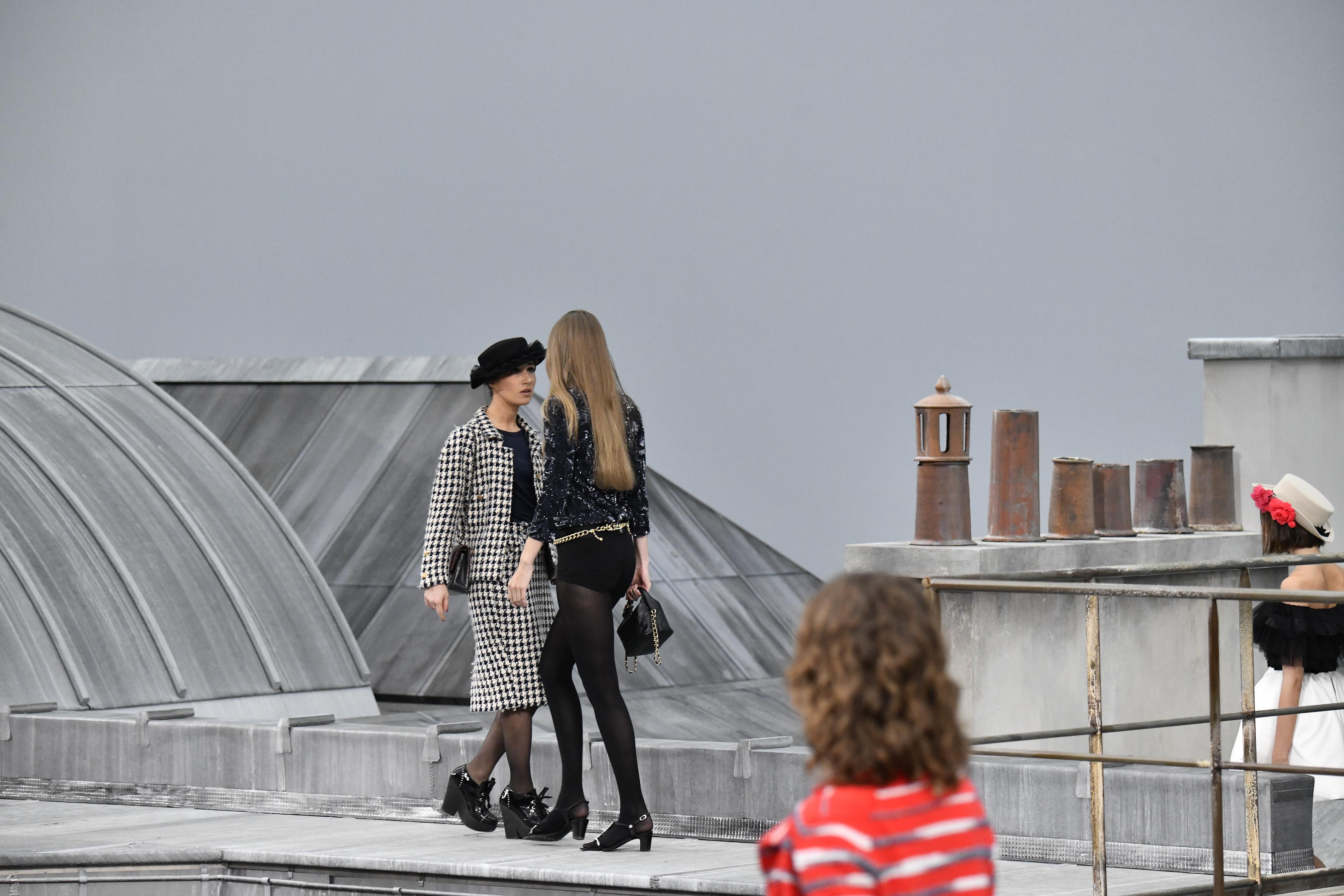 Gigi Hadid, look, Chanel, desfile, Semana de la moda de Paris