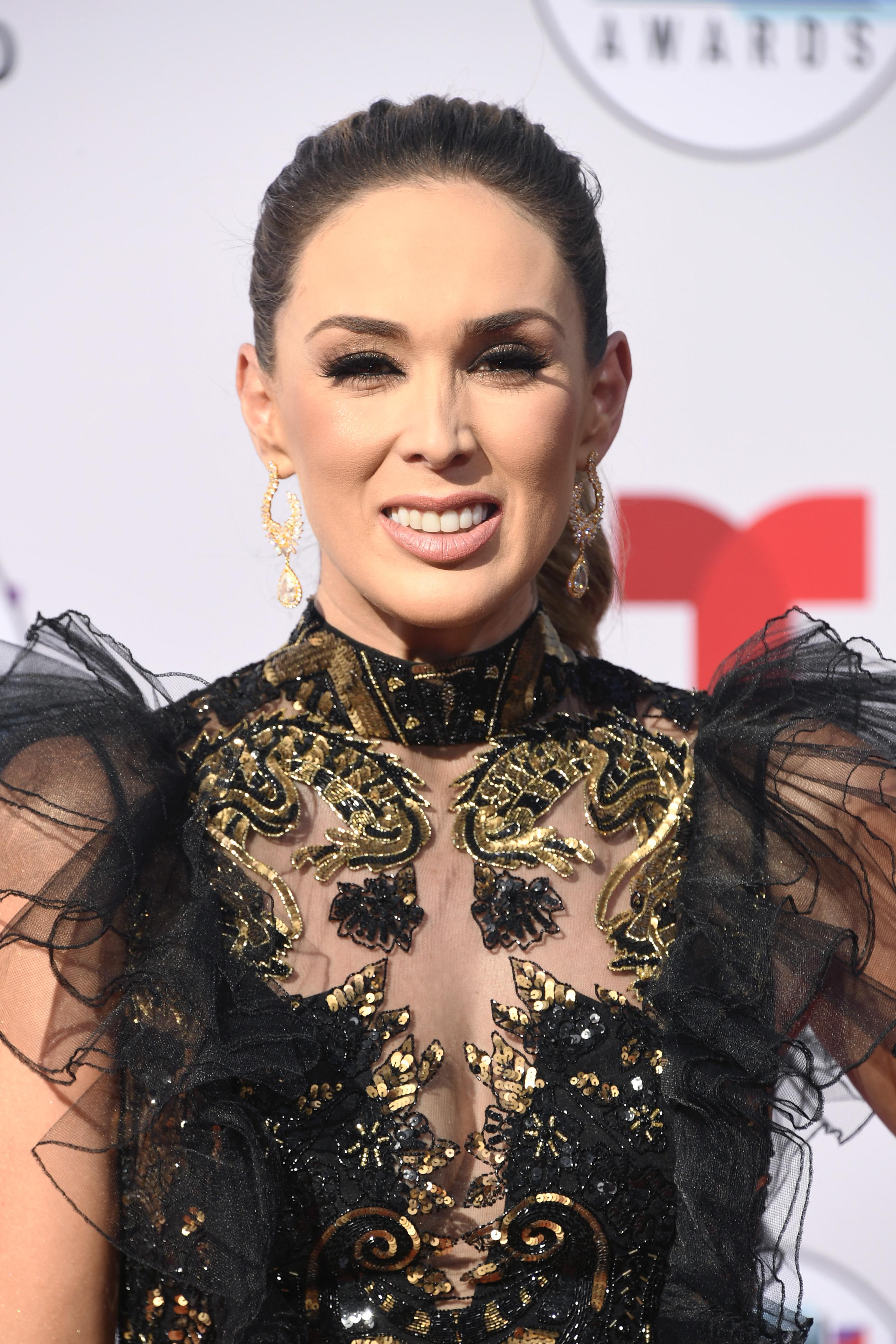 Jacqueline Bracamontes, look, belleza, latin american music awards