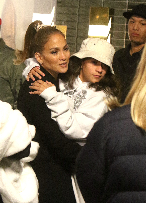 Jennifer López set pelicula Marry Me hijos max y emme