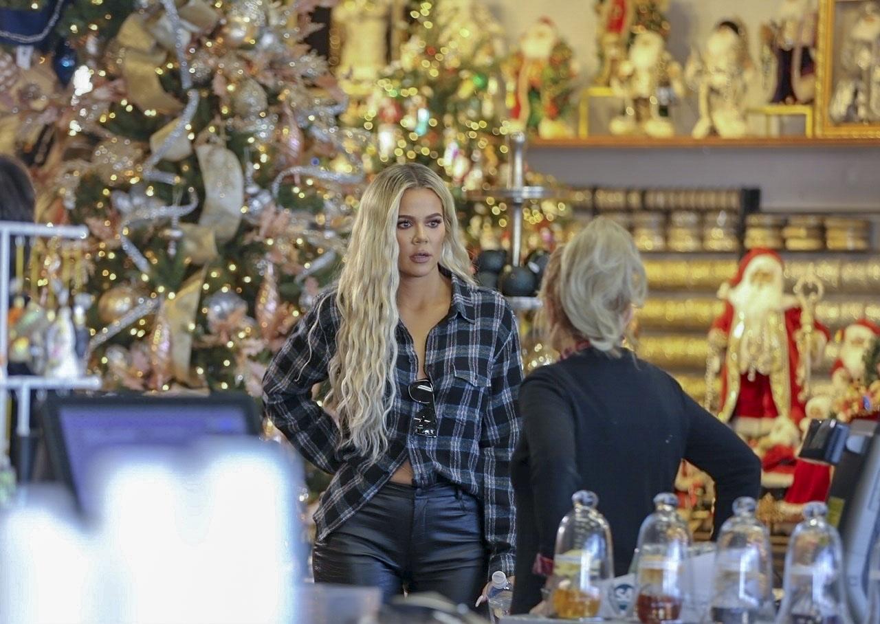 Khloé Kardashian tienda navideña